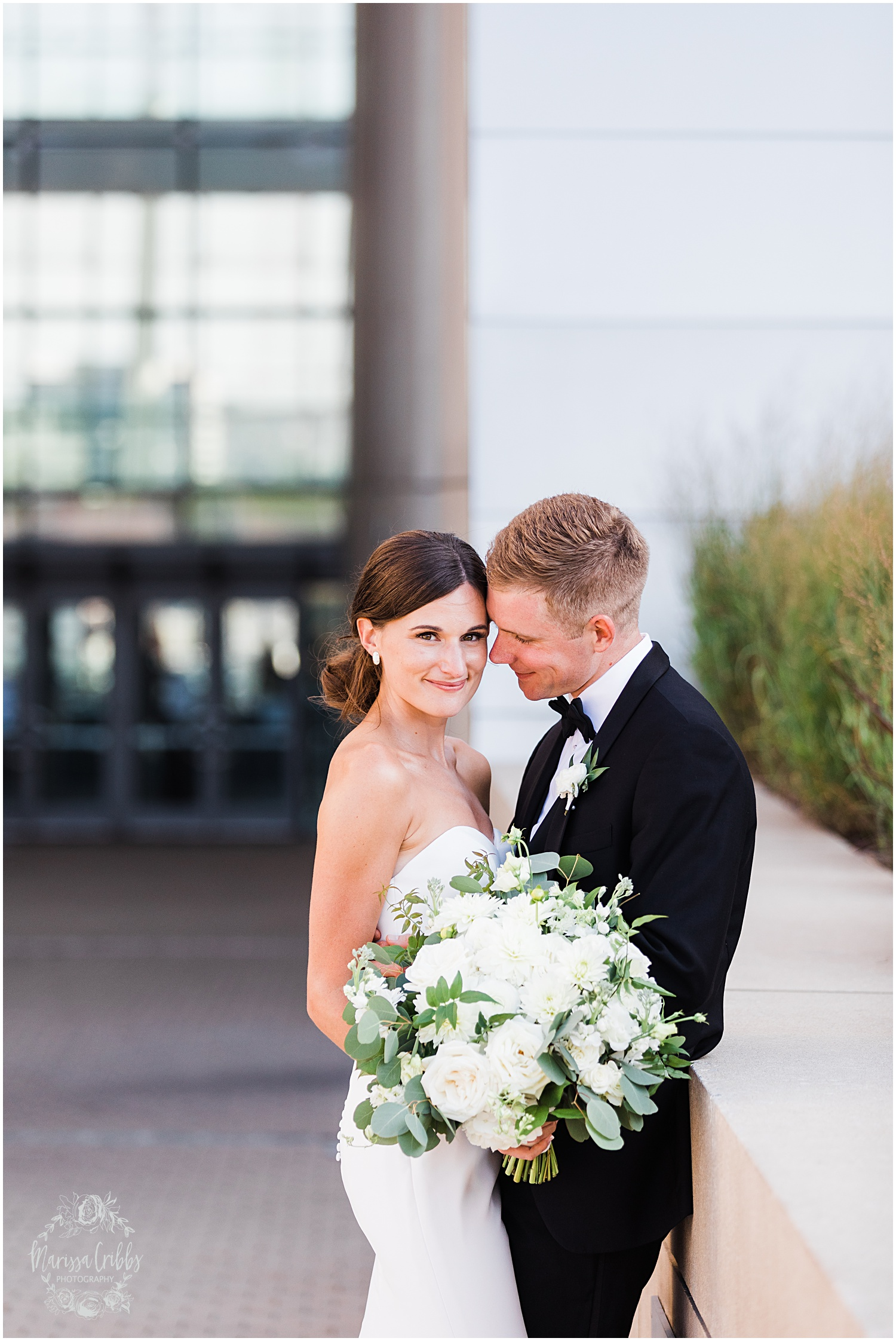 JOANNE & GEORGE MARRIED BLOG | MARISSA CRIBBS PHOTOGRAPHY | THE ABBOTT | KANSAS CITY WEDDING PHOTOS_9102.jpg