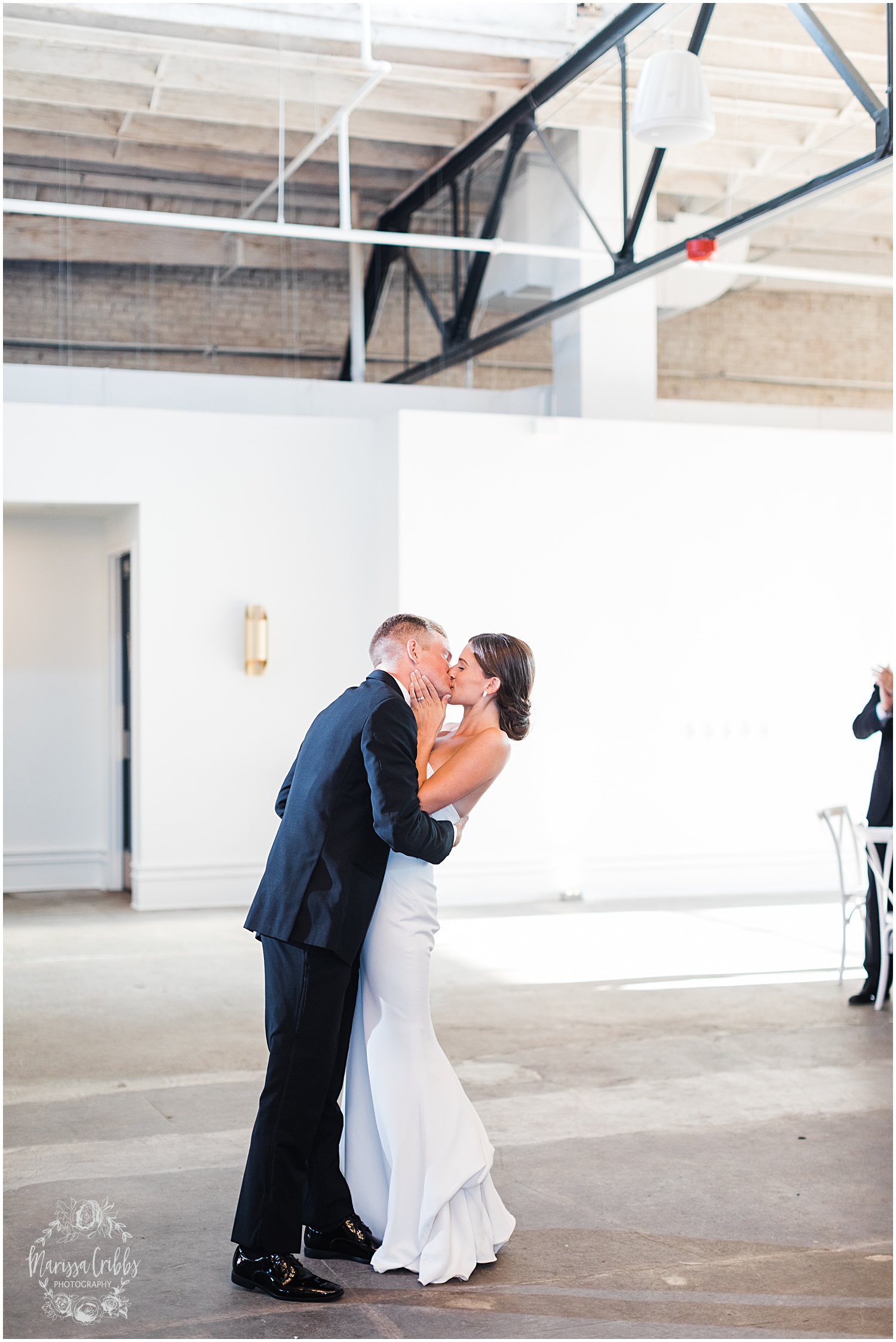 JOANNE & GEORGE MARRIED BLOG | MARISSA CRIBBS PHOTOGRAPHY | THE ABBOTT | KANSAS CITY WEDDING PHOTOS_9146.jpg