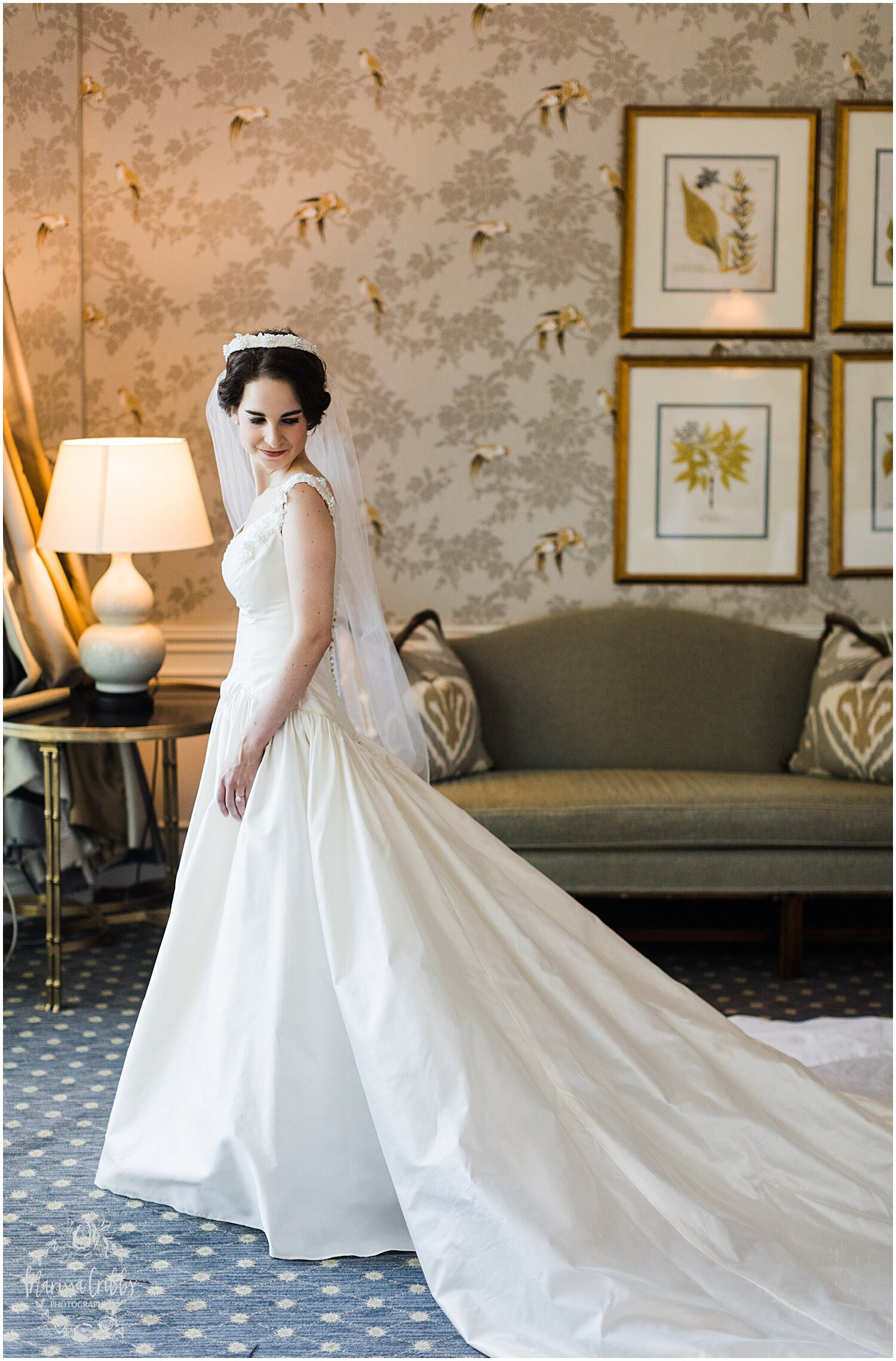 TYLER & CAROLINE MARRIED BLOG | MARISSA CRIBBS PHOTOGRAPHY | THE CARRIAGE CLUB | KANSAS CITY WEDDING PHOTOS_9207.jpg