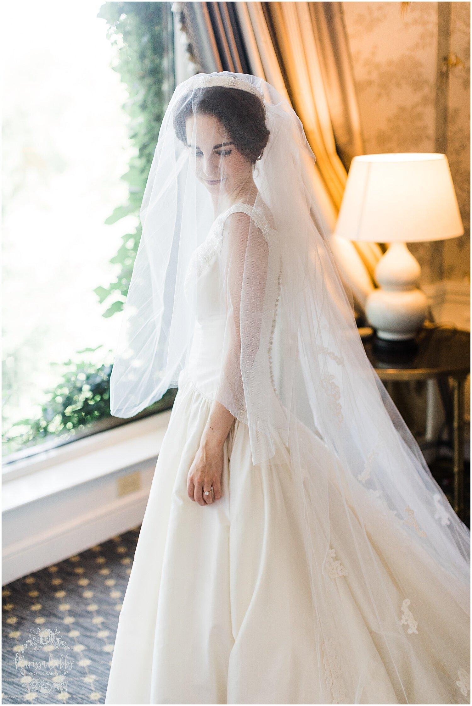 TYLER & CAROLINE MARRIED BLOG | MARISSA CRIBBS PHOTOGRAPHY | THE CARRIAGE CLUB | KANSAS CITY WEDDING PHOTOS_9209.jpg