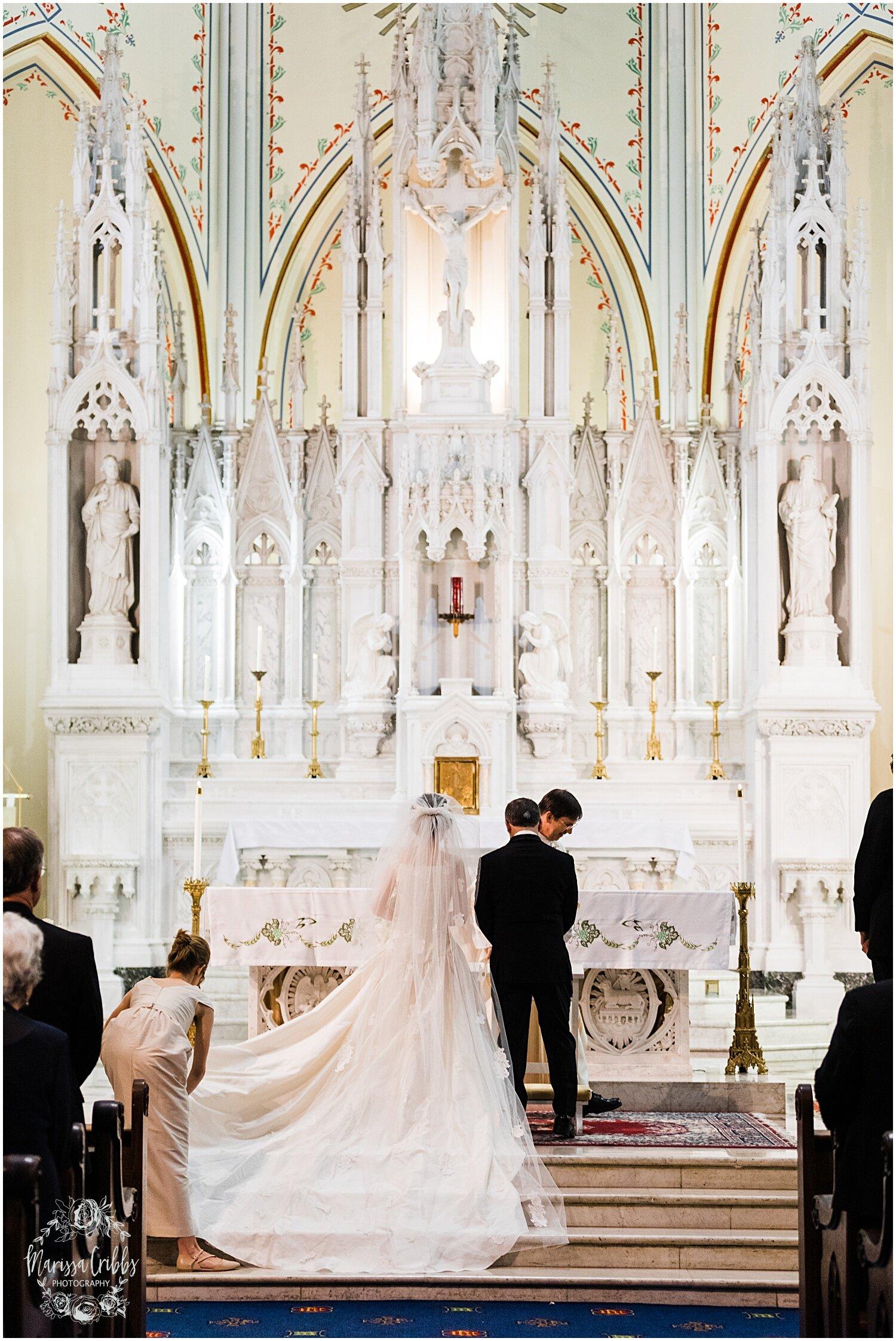 TYLER & CAROLINE MARRIED BLOG | MARISSA CRIBBS PHOTOGRAPHY | THE CARRIAGE CLUB | KANSAS CITY WEDDING PHOTOS_9221.jpg
