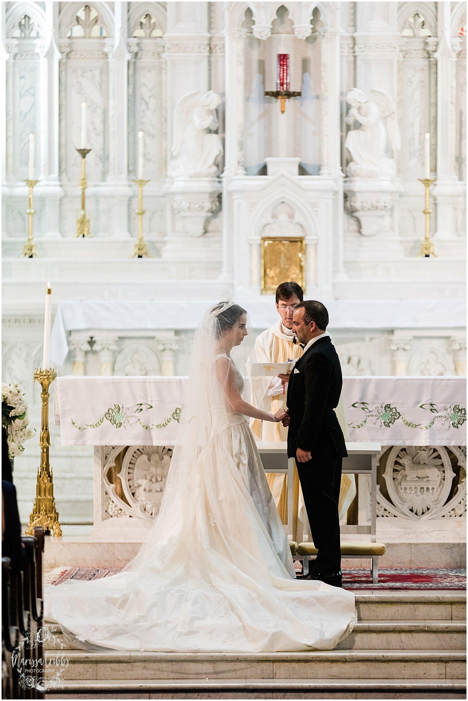 TYLER & CAROLINE MARRIED BLOG | MARISSA CRIBBS PHOTOGRAPHY | THE CARRIAGE CLUB | KANSAS CITY WEDDING PHOTOS_9226.jpg
