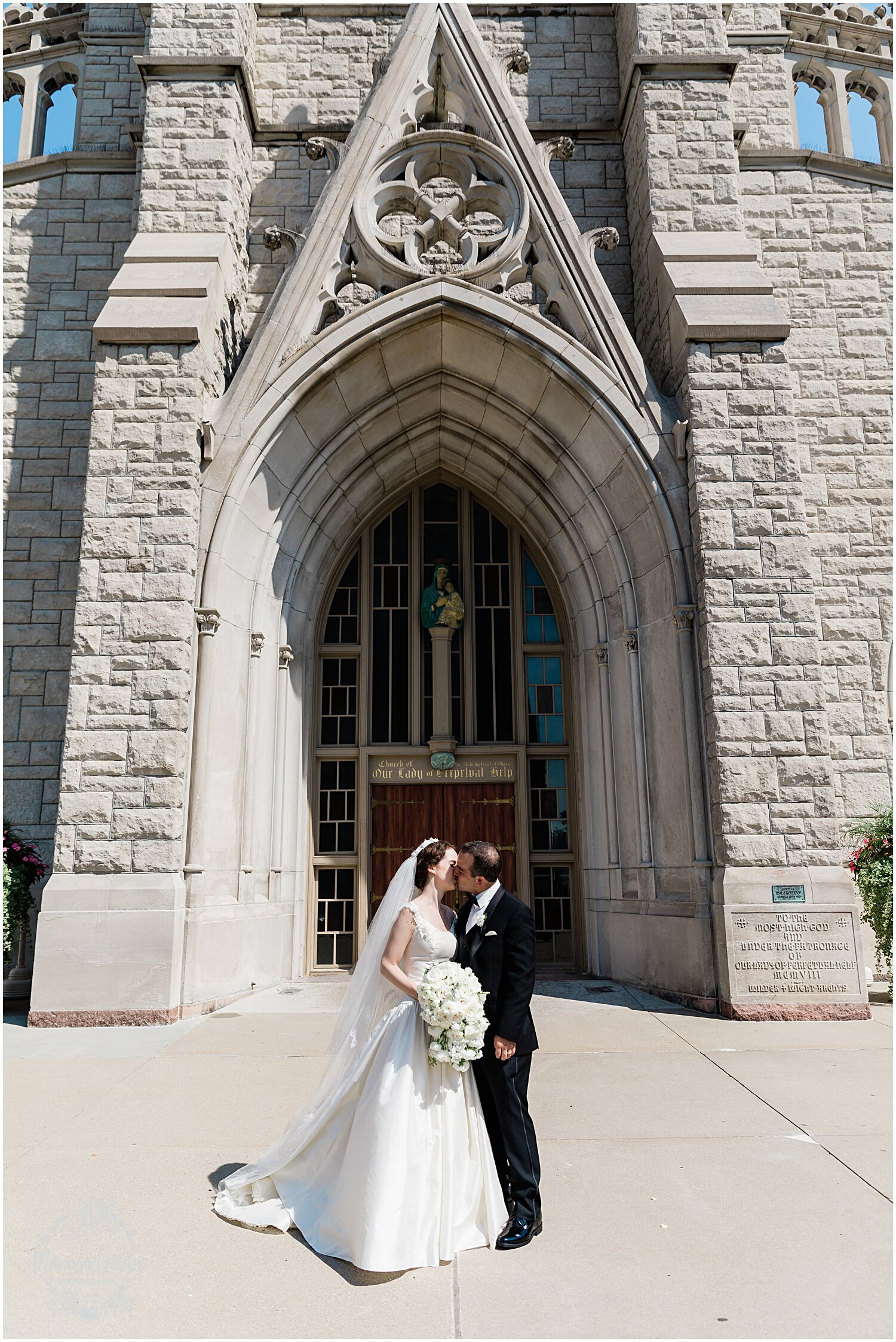 TYLER & CAROLINE MARRIED BLOG | MARISSA CRIBBS PHOTOGRAPHY | THE CARRIAGE CLUB | KANSAS CITY WEDDING PHOTOS_9231.jpg