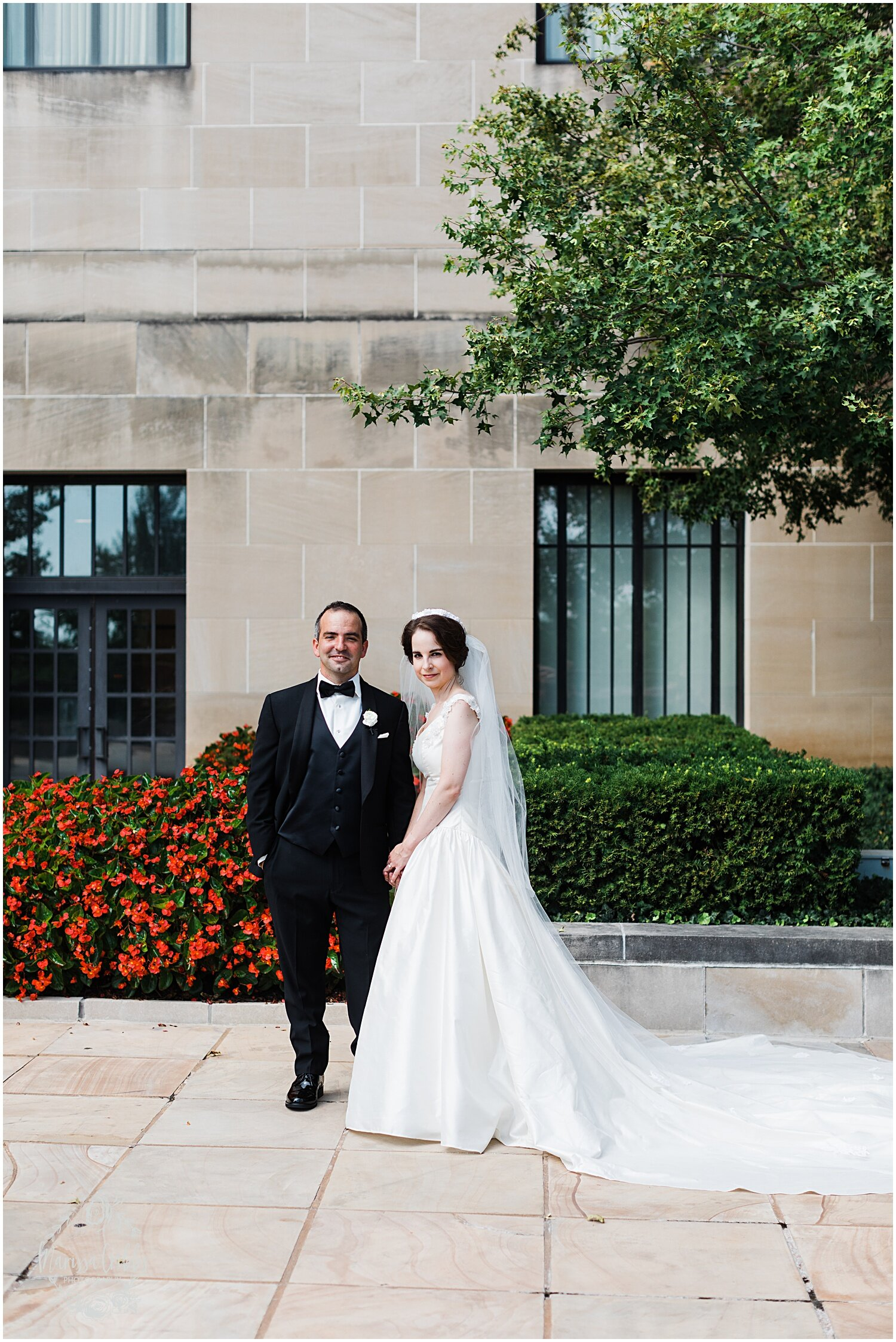 TYLER & CAROLINE MARRIED BLOG | MARISSA CRIBBS PHOTOGRAPHY | THE CARRIAGE CLUB | KANSAS CITY WEDDING PHOTOS_9257.jpg