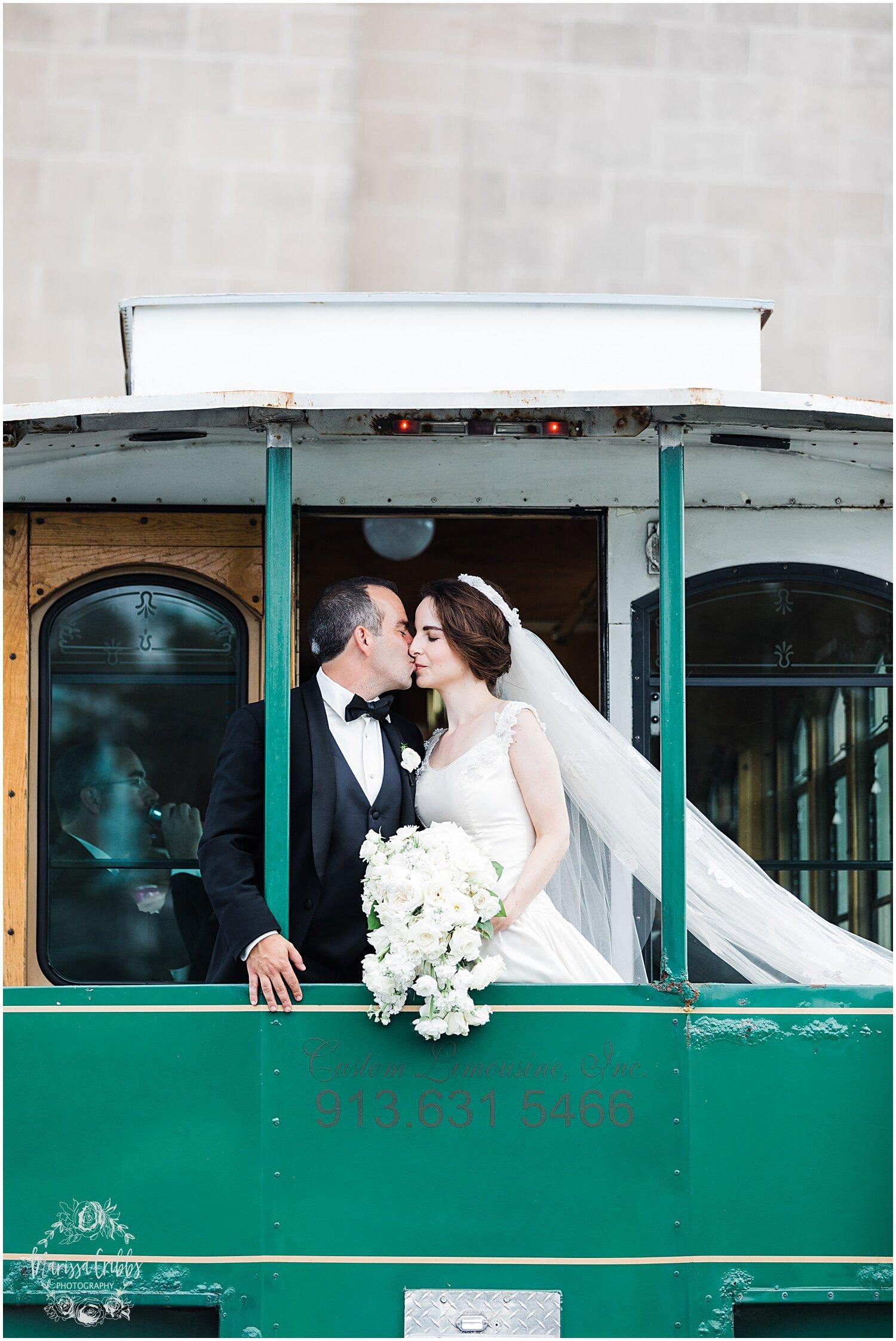 TYLER & CAROLINE MARRIED BLOG | MARISSA CRIBBS PHOTOGRAPHY | THE CARRIAGE CLUB | KANSAS CITY WEDDING PHOTOS_9264.jpg