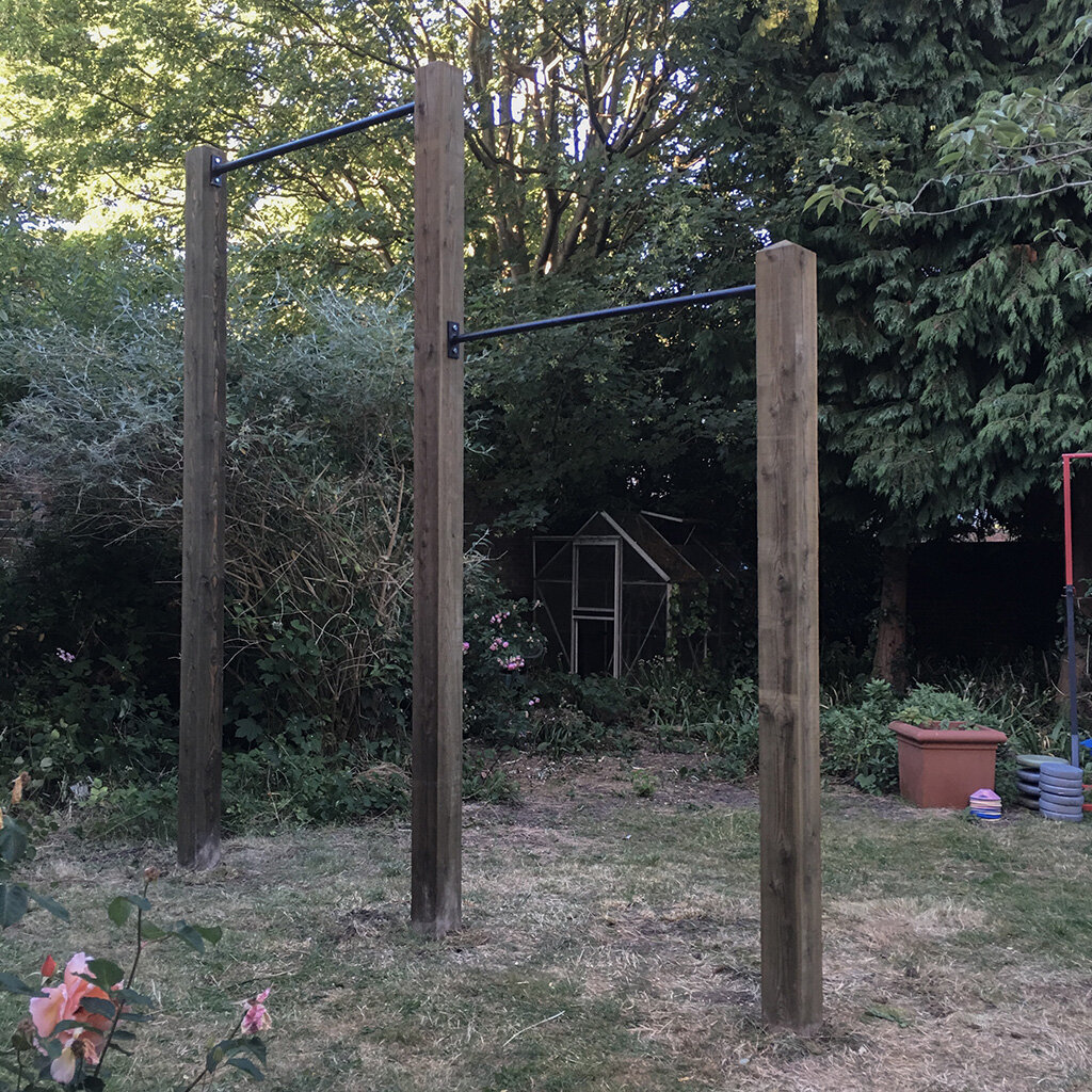 Garden high bar and pull up bar 3e.jpg