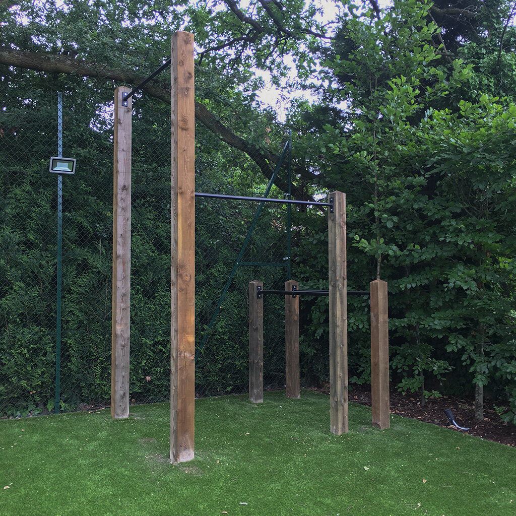 Garden high  bar, pull up bar and dip bars 3e.jpg