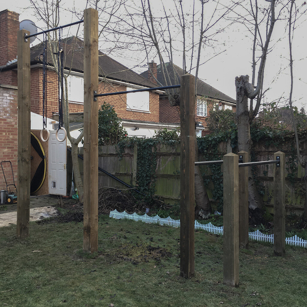 Garden high  bar, pull up bar and dip bars 6e.jpg