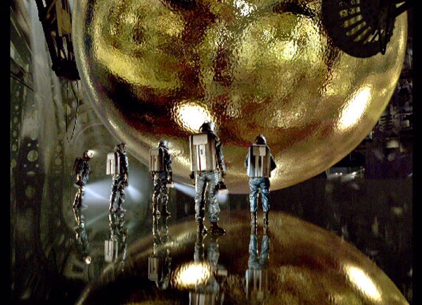 *Not my image. Scene from Barry Levinson's The Sphere