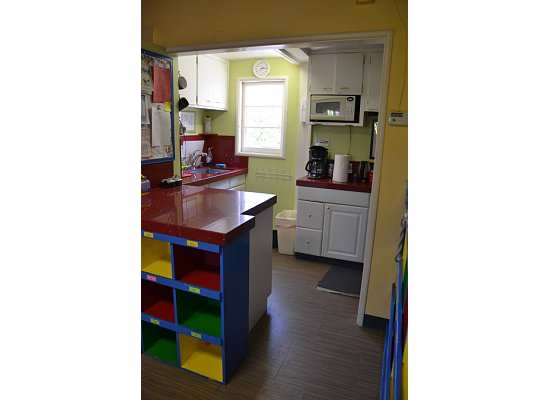 14 Kitchen.jpeg