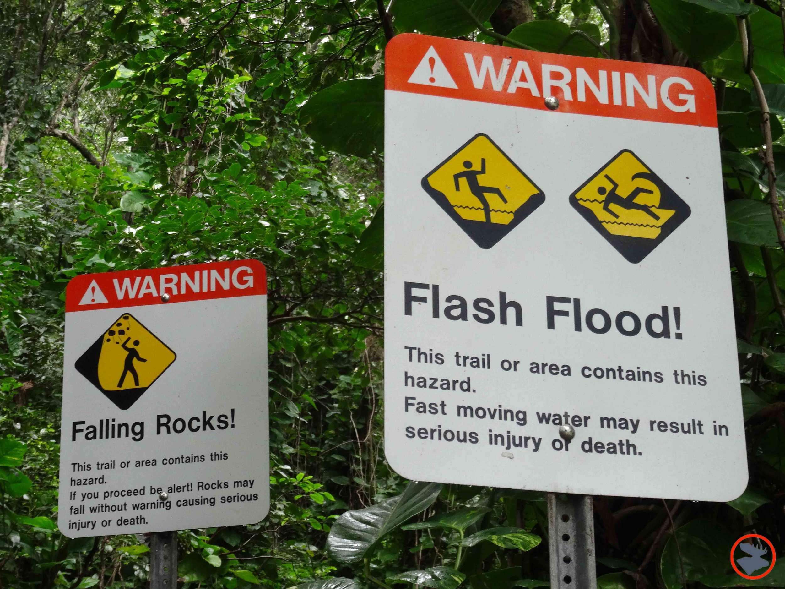 Warning-Signs-at-Trail-Head.jpg