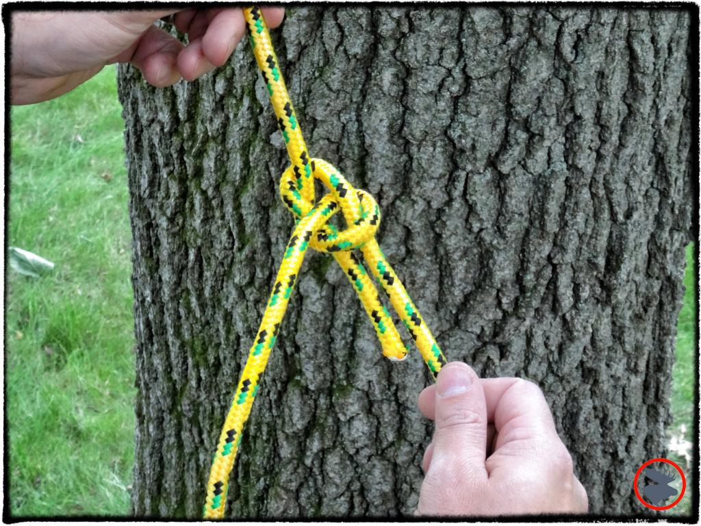 Tying a Bowline Knot | www.BullMoosePatrol.com