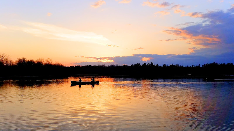 Sunset paddle around Indian Lake. (Photo courtesy of Jeff Lindstrom.)