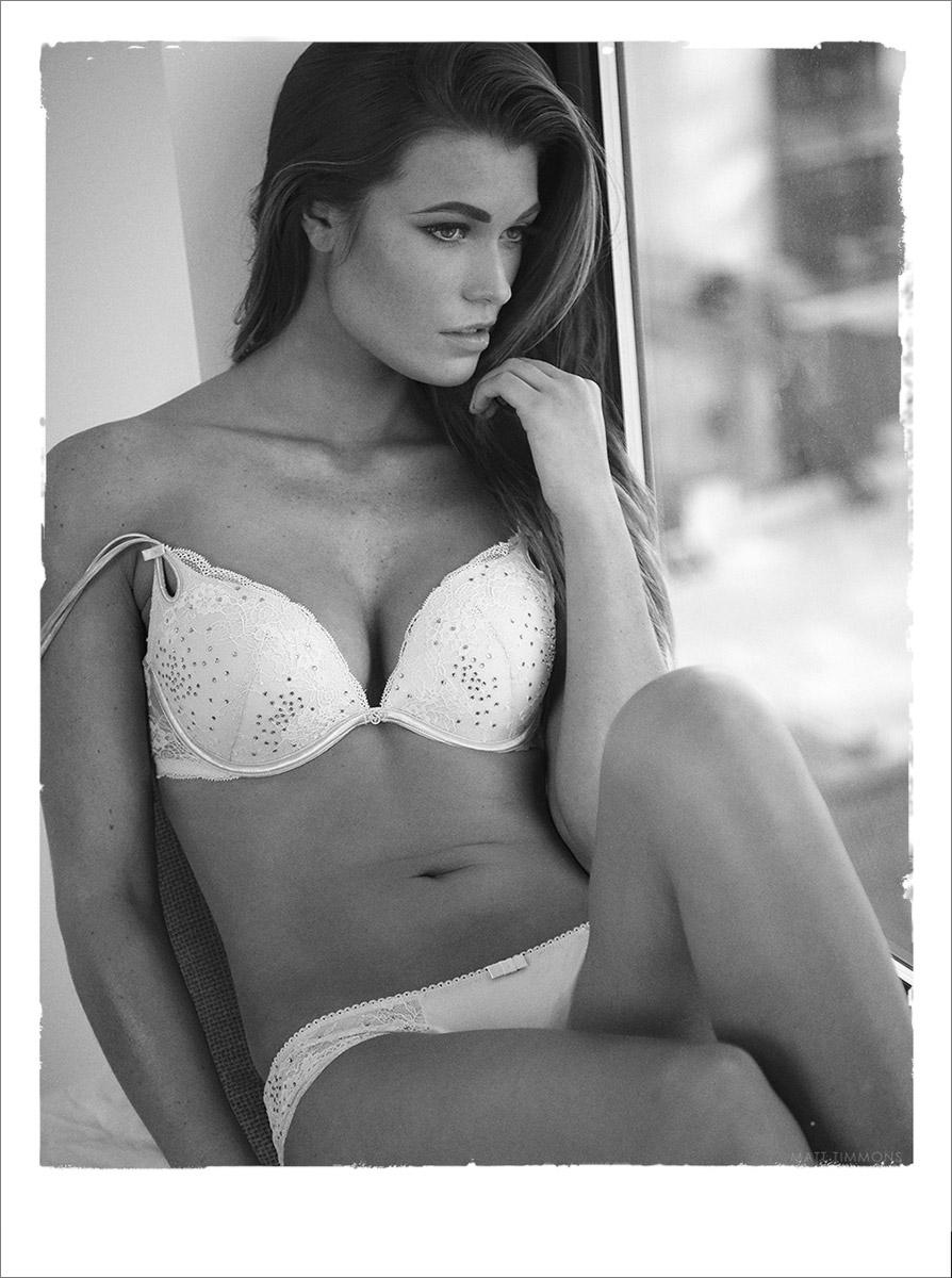 samantha-hoopes-elite-si-guess-lingerie-model.jpg