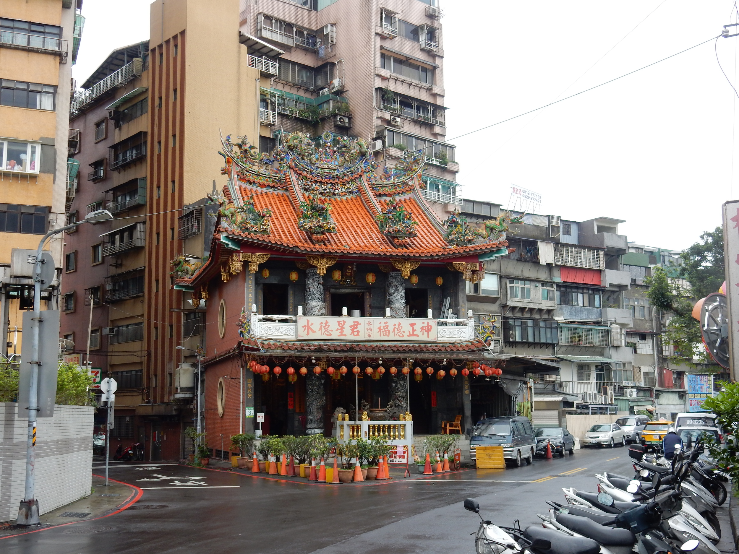 Temples around residential areas Taipei
