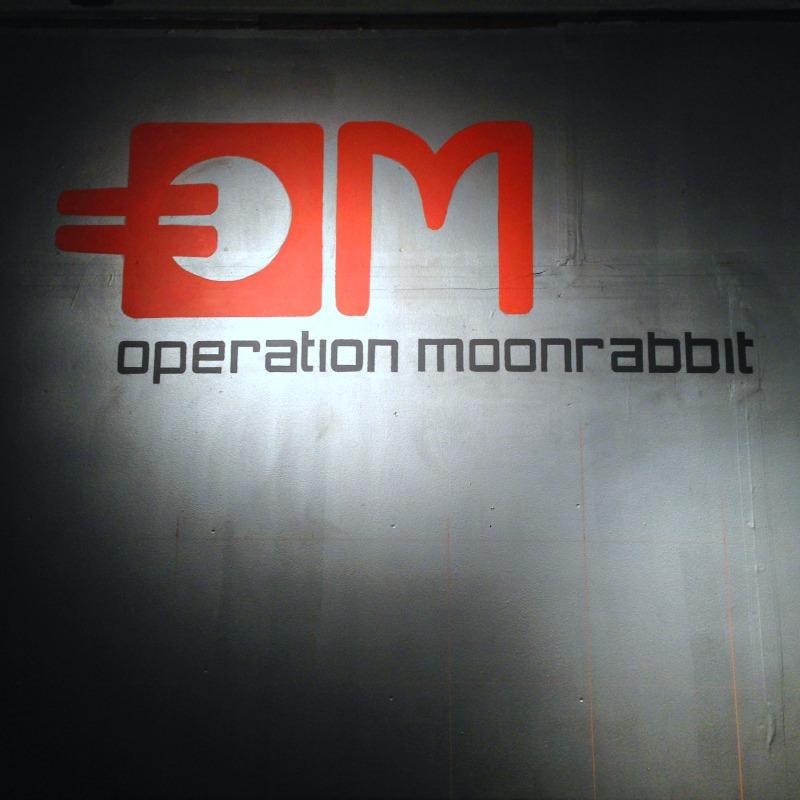 om-logo-wall