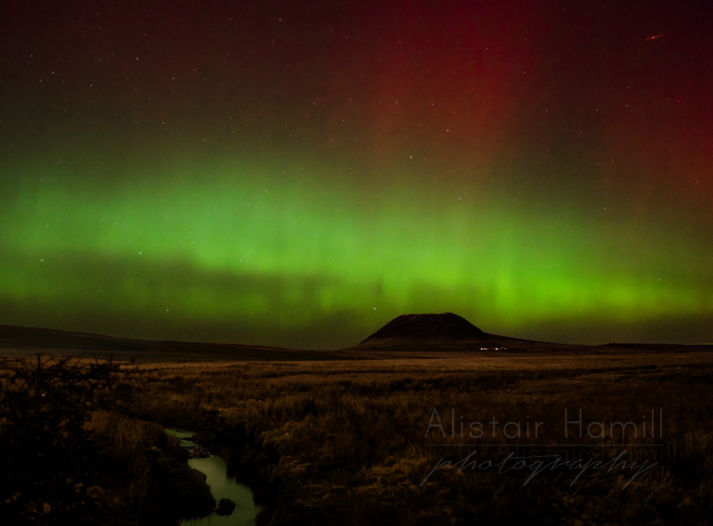 Slemish aurora with river (Large) wm.jpg