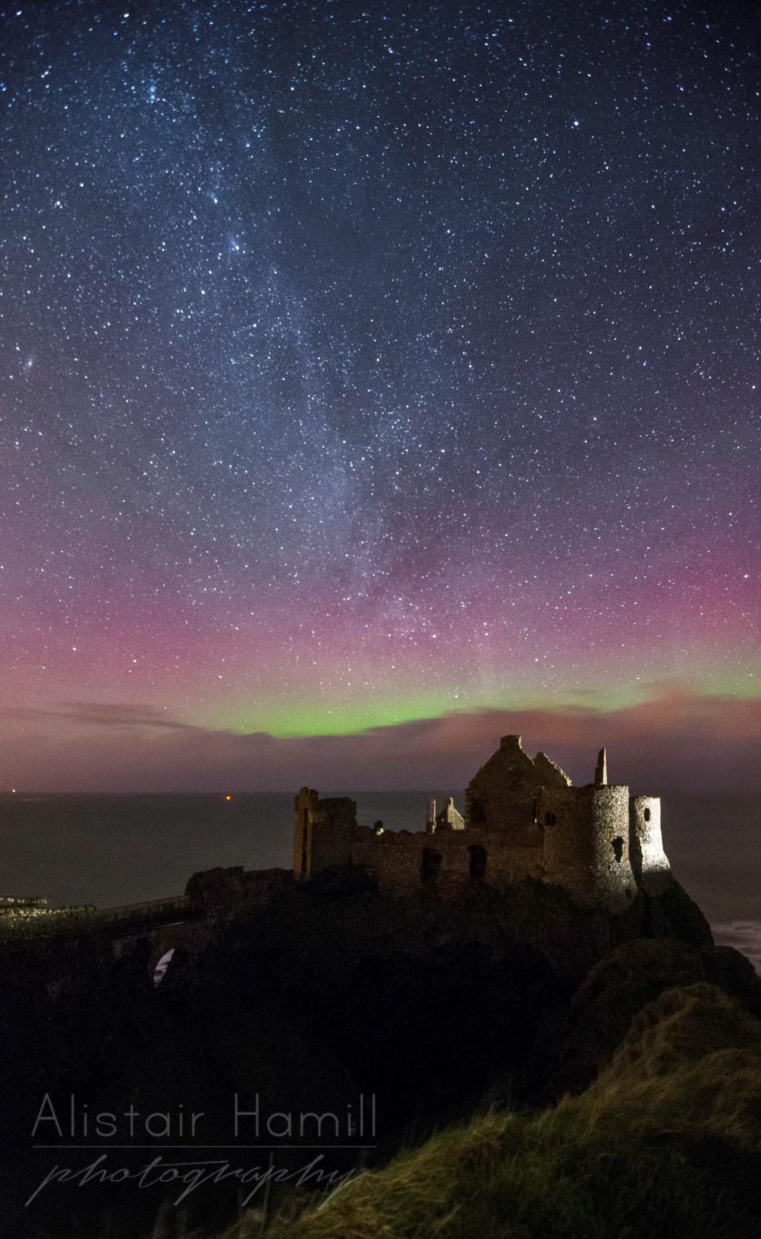 Vertical aurora Milky Way (Large) wm.jpg