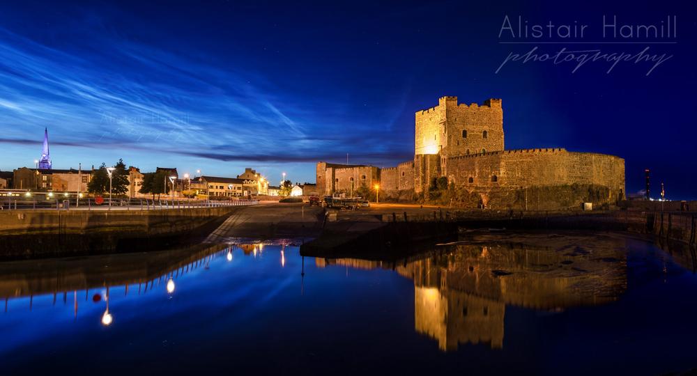 Castle+reflections+pano+(Large)+wm.jpg