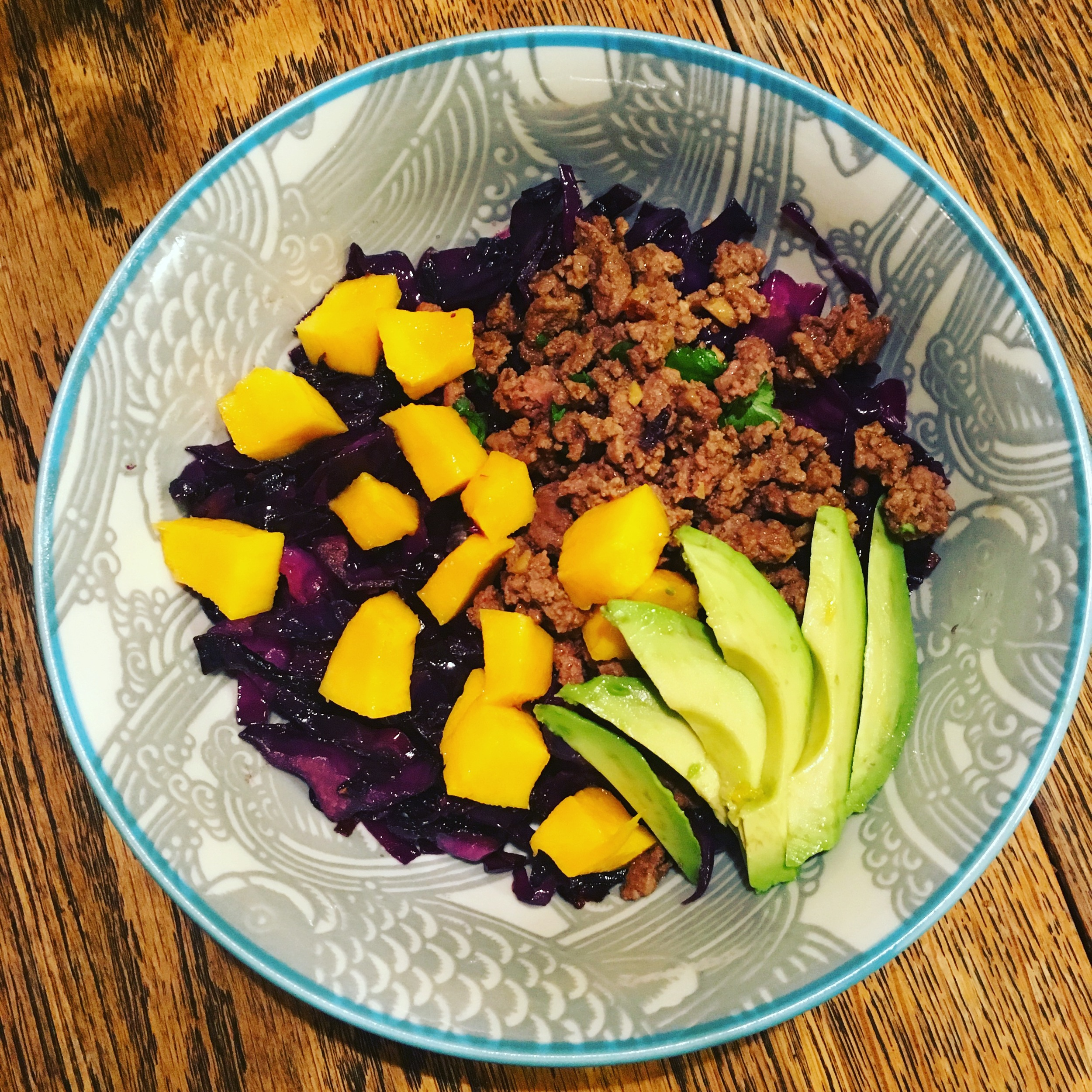 Thai seasoned beef bowl, with braised cabbage, avocado and mango #eattherainbow