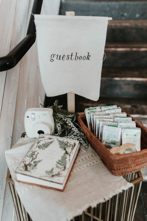 Image Source: Junebug Weddings