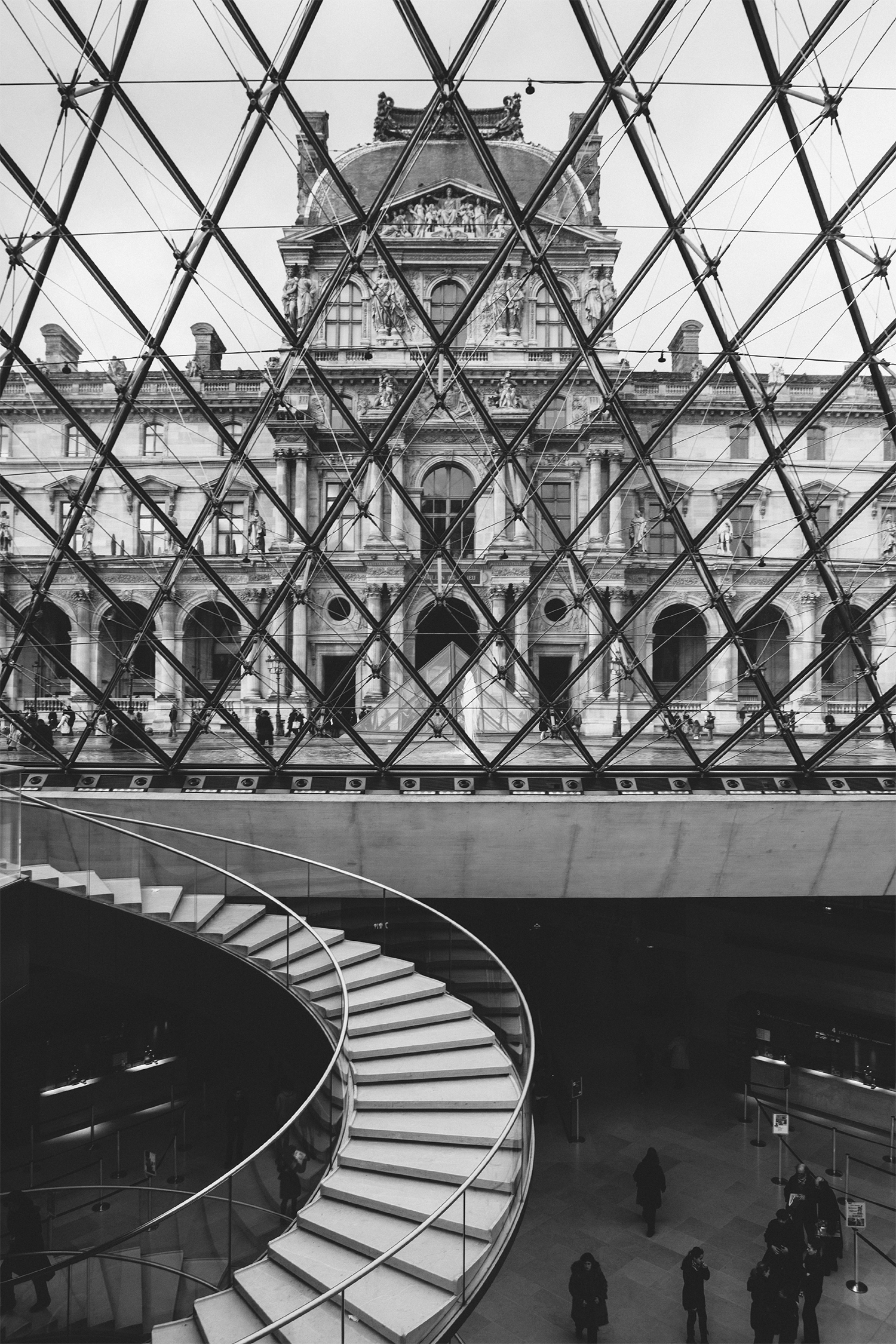 lifestyle-editorial-travel-washington-dc-malek-naz-photography-paris-france-louvre-stairs.jpg