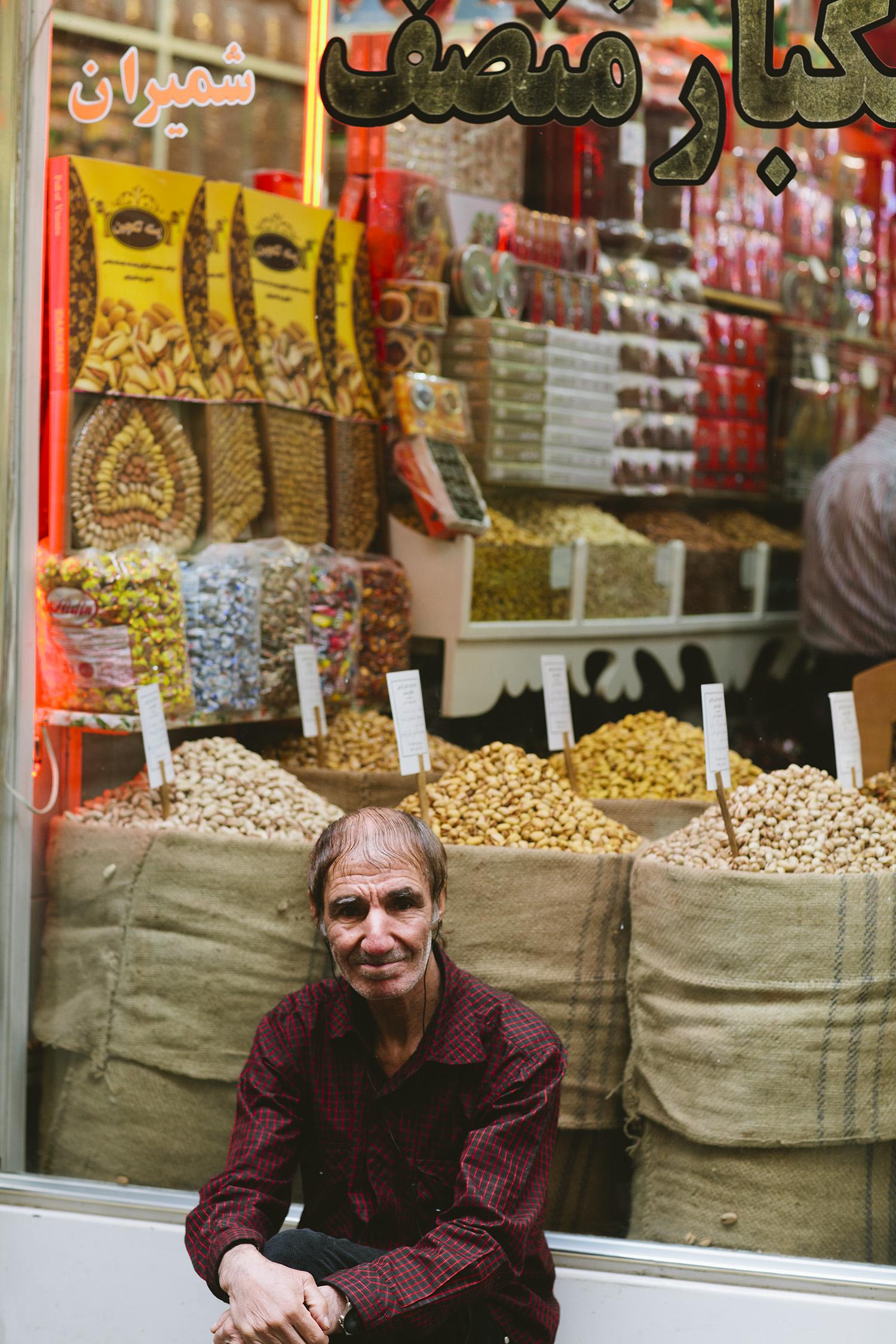 lifestyle-editorial-travel-washington-dc-malek-naz-photography-old-man-tehran-bazaar.jpg
