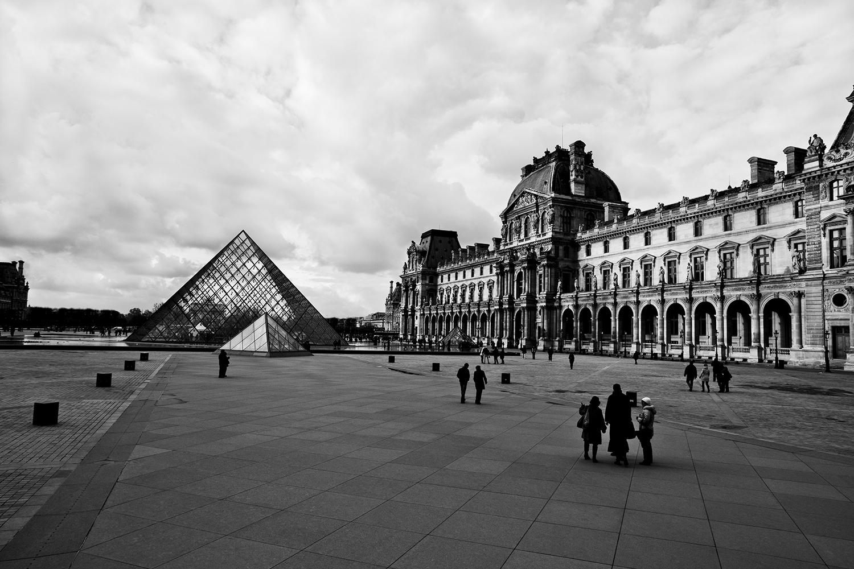 lifestyle-editorial-travel-washington-dc-malek-naz-photography-paris-france-louvre.jpg