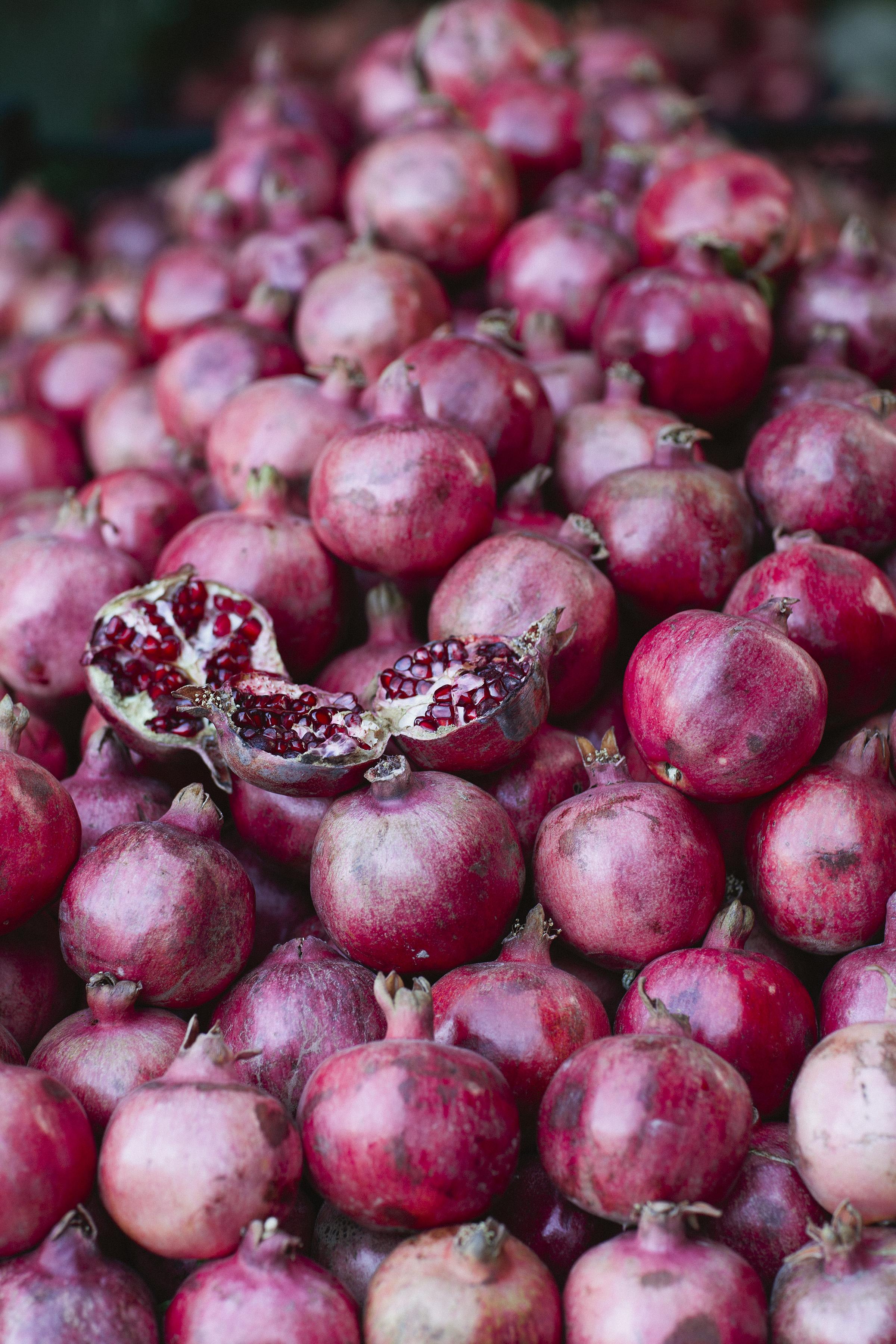 lifestyle-editorial-travel-washington-dc-malek-naz-photography-pomegranate-shomal-iran-bazaar.jpg