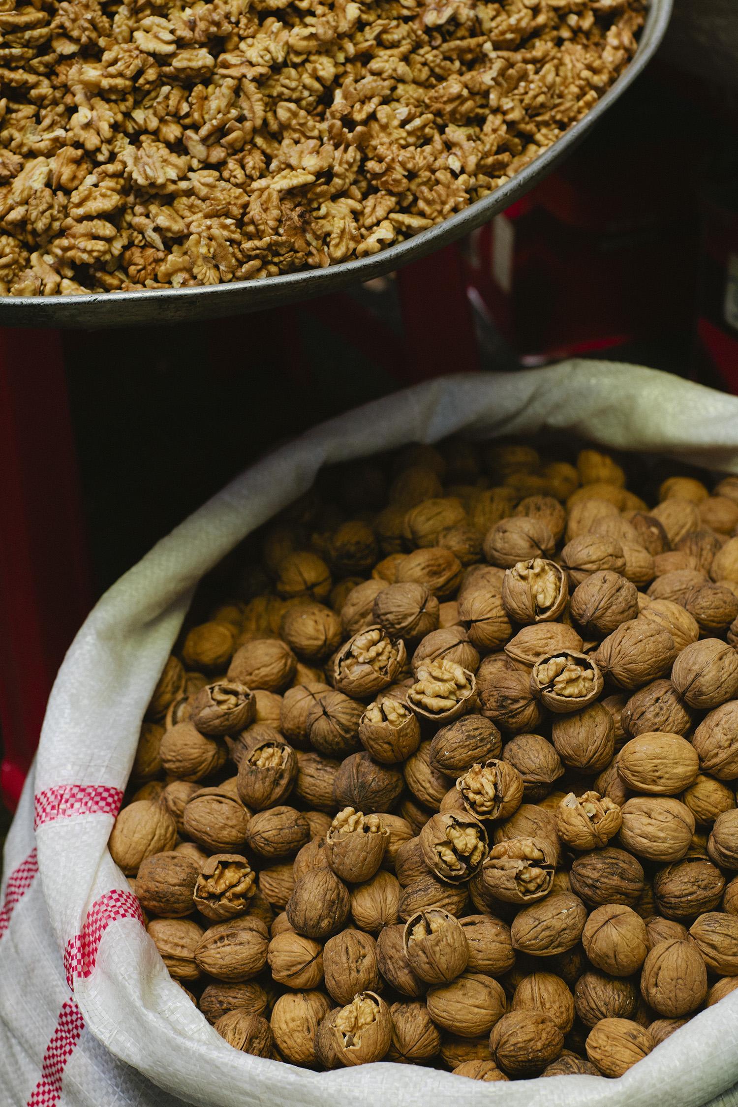 lifestyle-editorial-travel-washington-dc-malek-naz-photography-walnuts-tehran-bazaar.jpg
