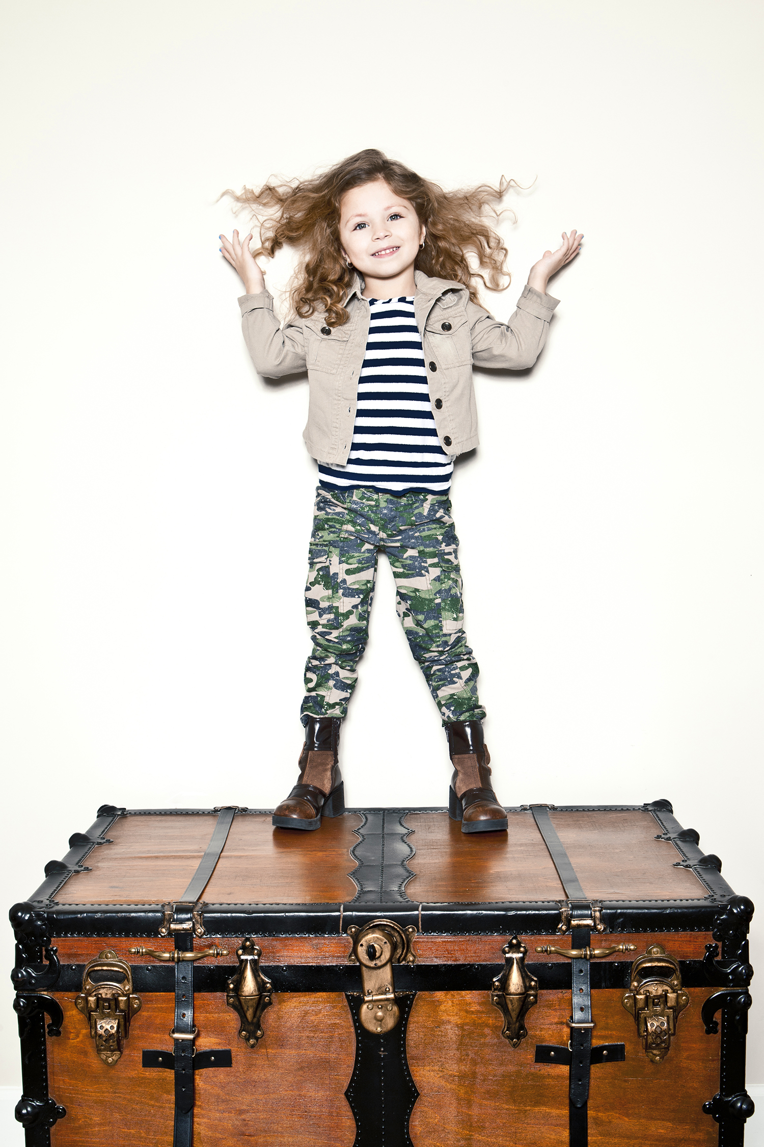 lifestyle-editorial-children-washington-dc-malek-naz-photography-contempo-kids-curly-girl.jpg