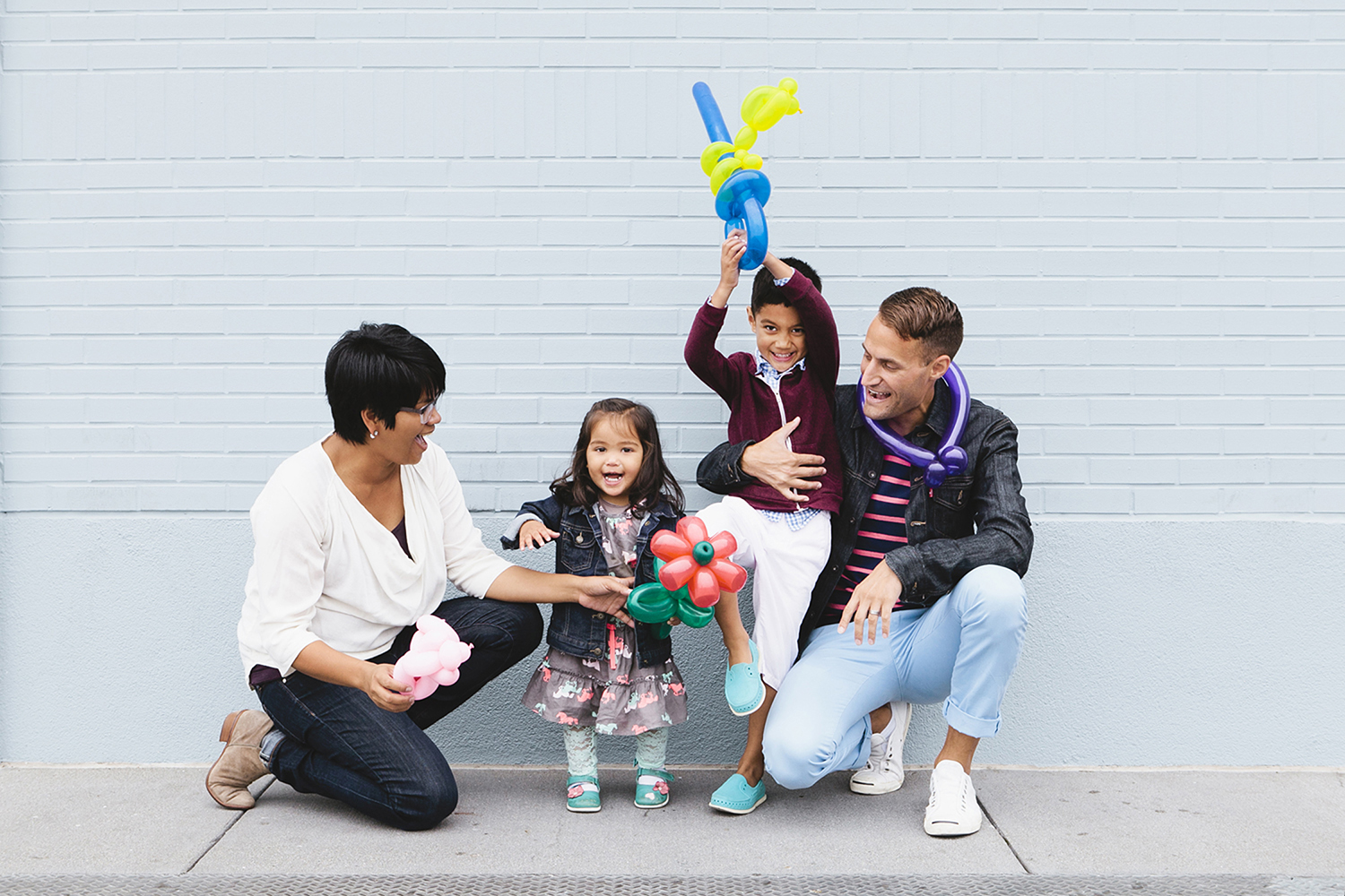 lifestyle-editorial-children-washington-dc-malek-naz-photography-contempo-kids-animal-balloons.jpg