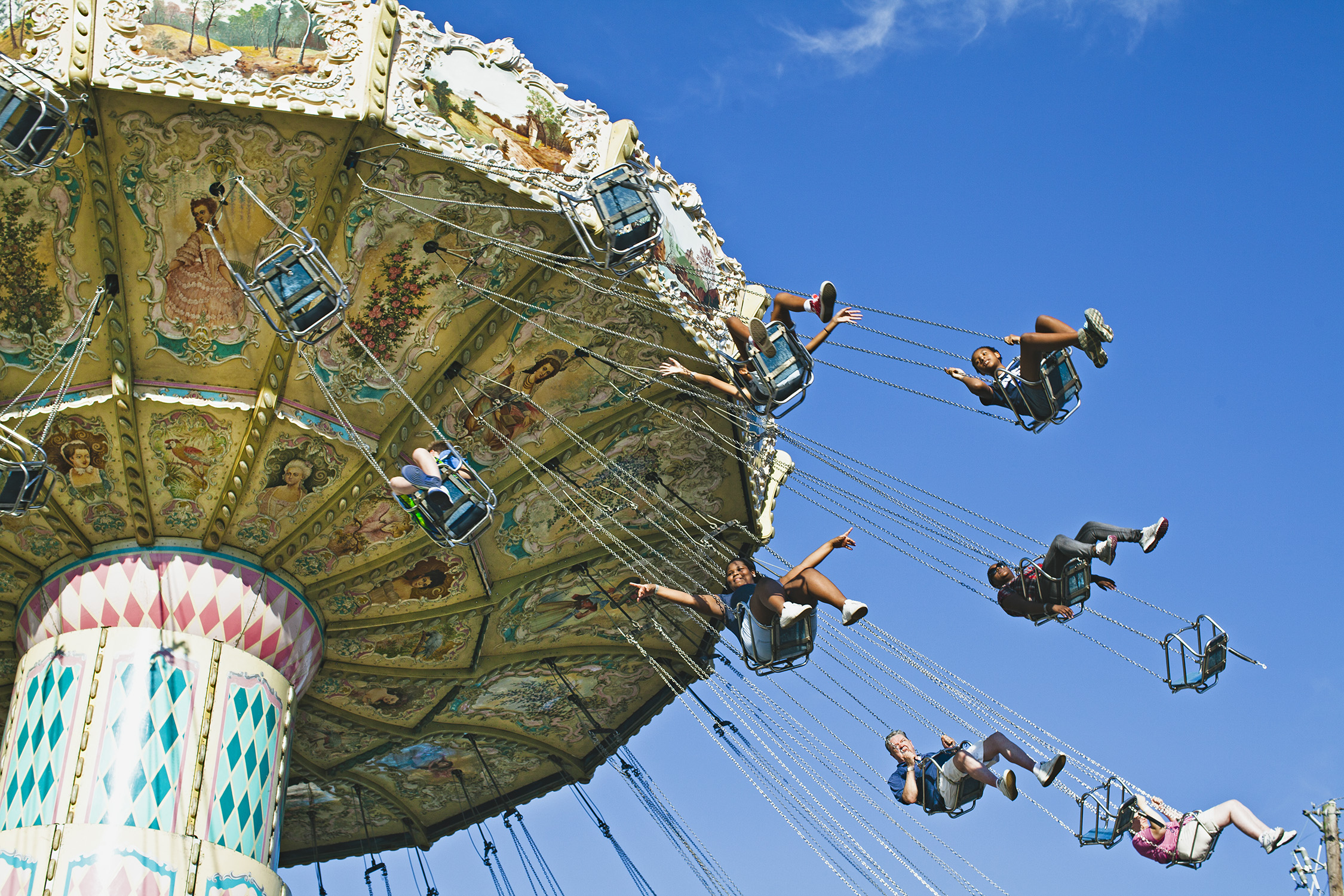 lifestyle-editorial-washington-dc-malek-naz-photography-montgomery-county-fair-swing.jpg