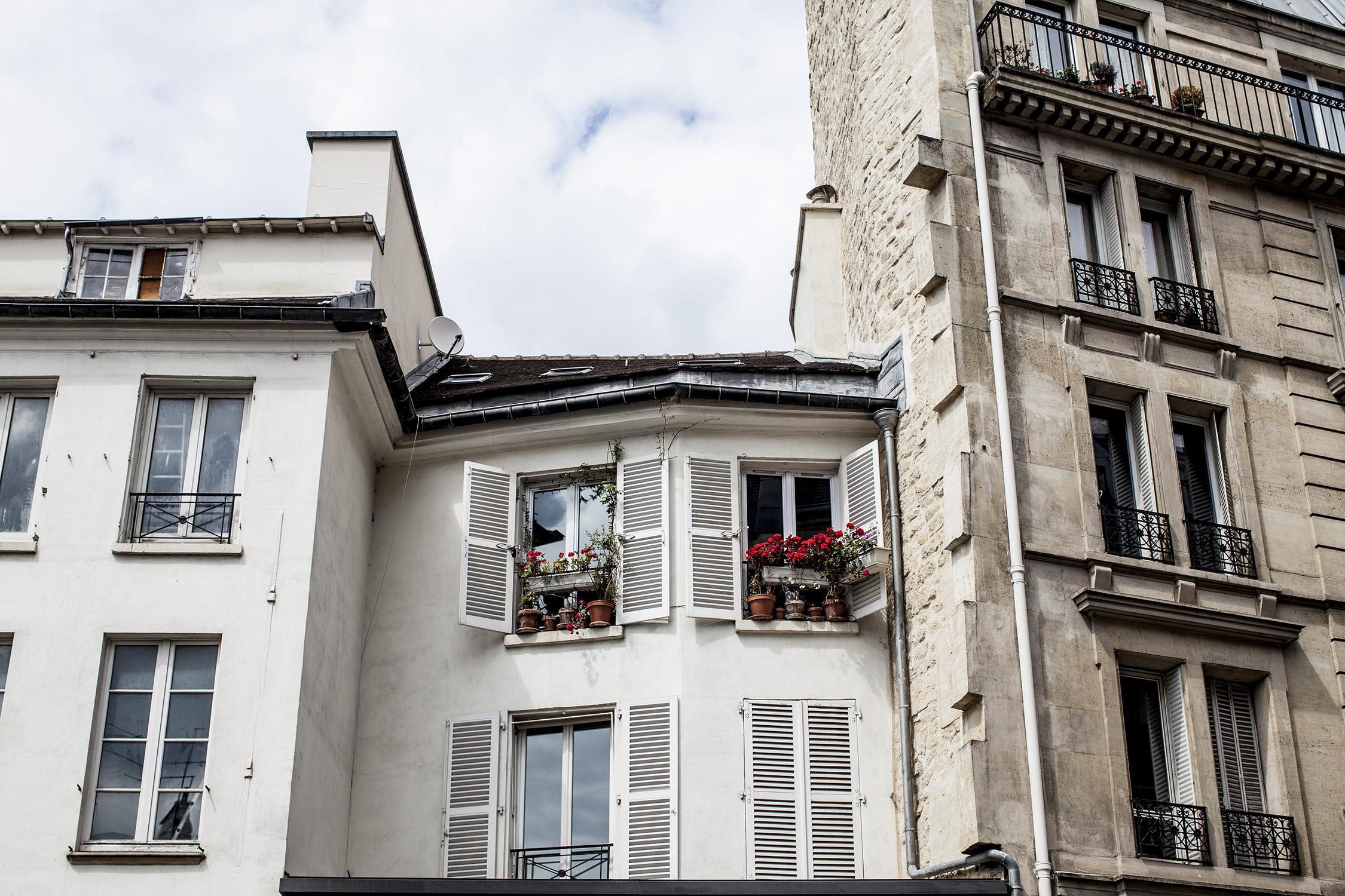 lifestyle-editorial-travel-washington-dc-malek-naz-photography-paris-france-windows.jpg