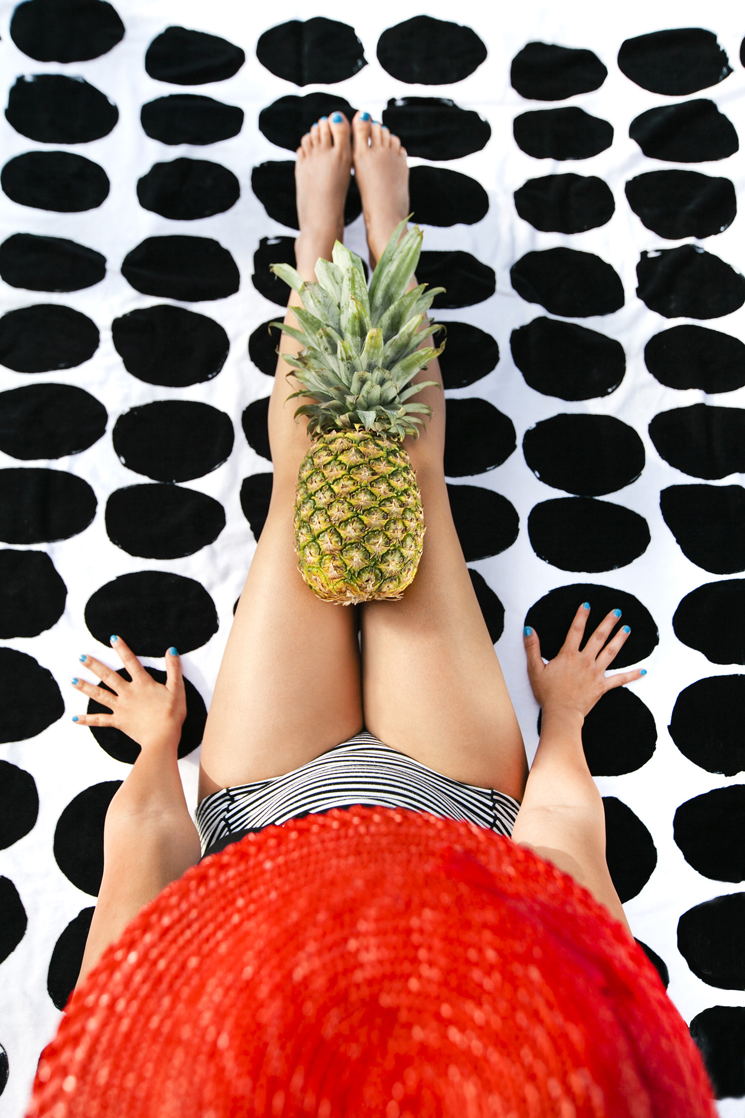 lifestyle-editorial-washington-dc-malek-naz-photography-vintage-bathingsuit-pineapple.jpg