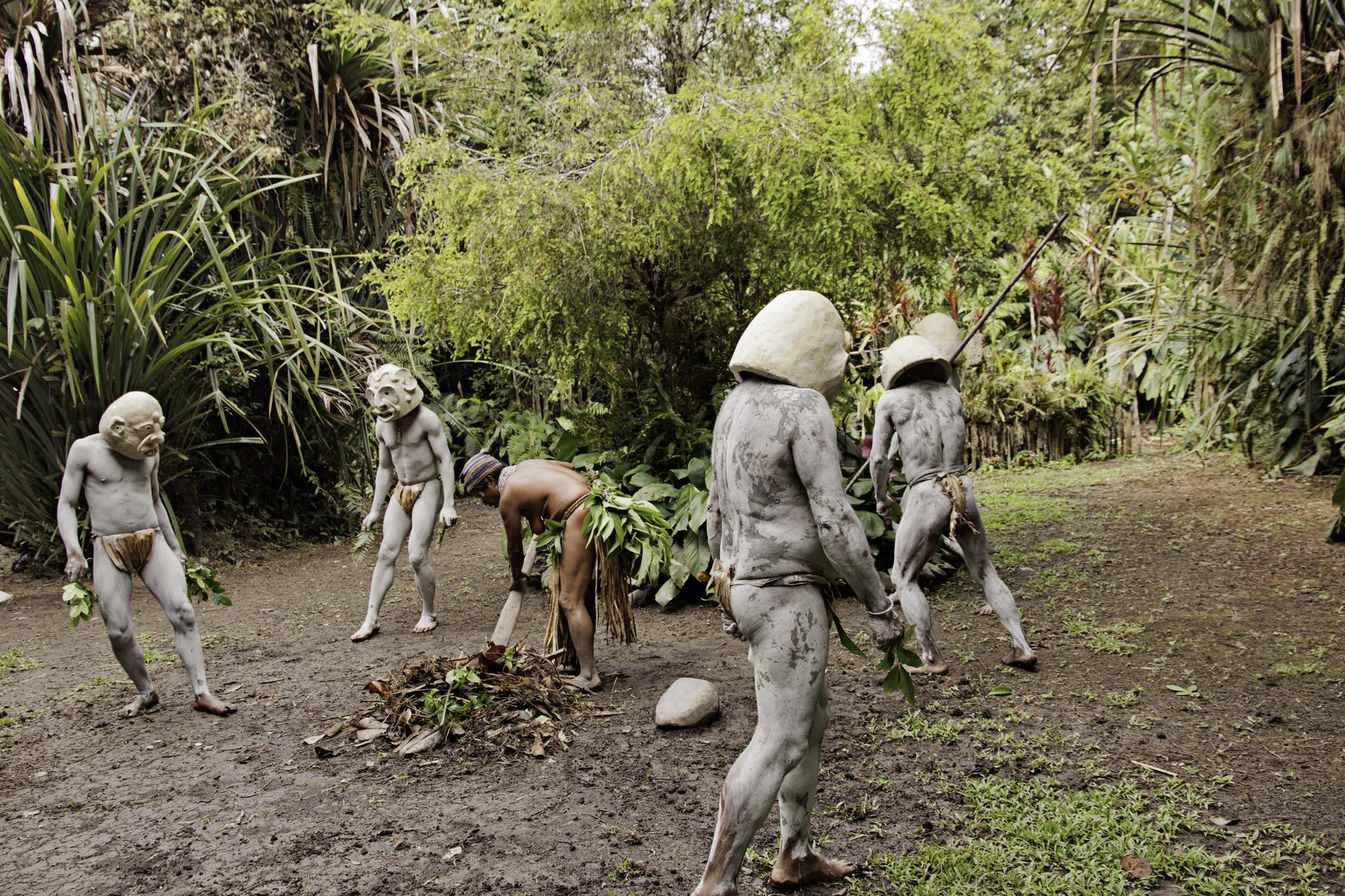 Reenactment of the Pogla Mudmen retaking their village