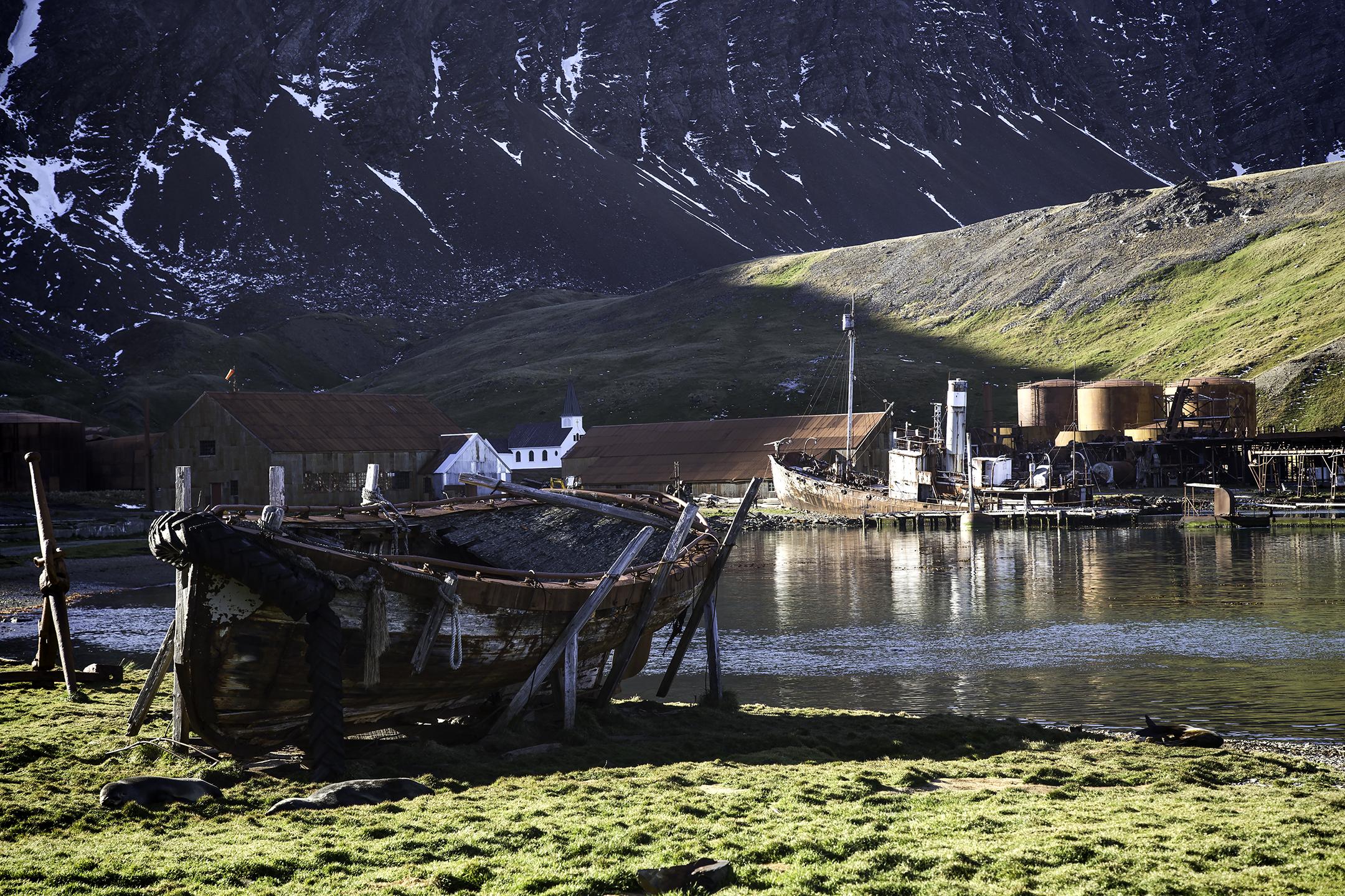 Grytviken-boat-harbor.jpg