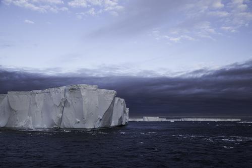 tabular-icberg-antarctic-sound-2.jpg