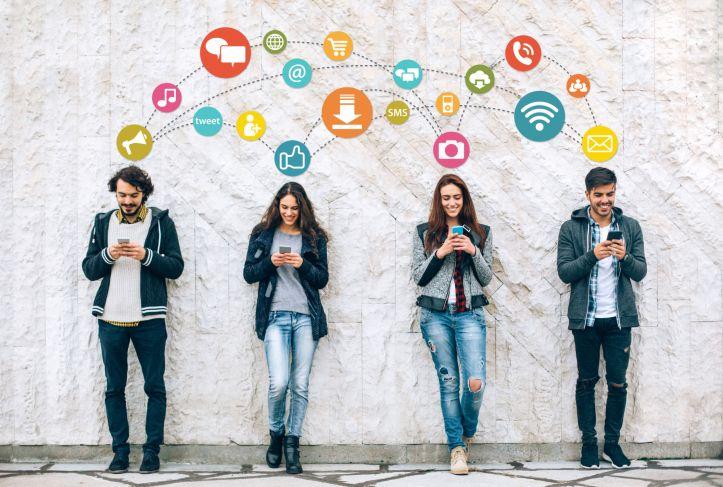 5 Positive Instagram Accounts Everyone Needs to Follow - Food For Thought - Dallas Nutritional Counseling #caseybonanoRD #dallasnutritionalcounseling #dallasdietitian #DFWRD #halloween #survivingthecandybowl #intuitiveeating #nondietnutrition #carbfatpro #socialmedia #positivesocialmedia
