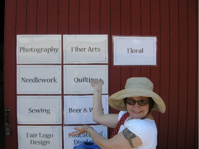 Guess which exhibits I always hit first? After fiber arts I go straight over and pet the sheep.