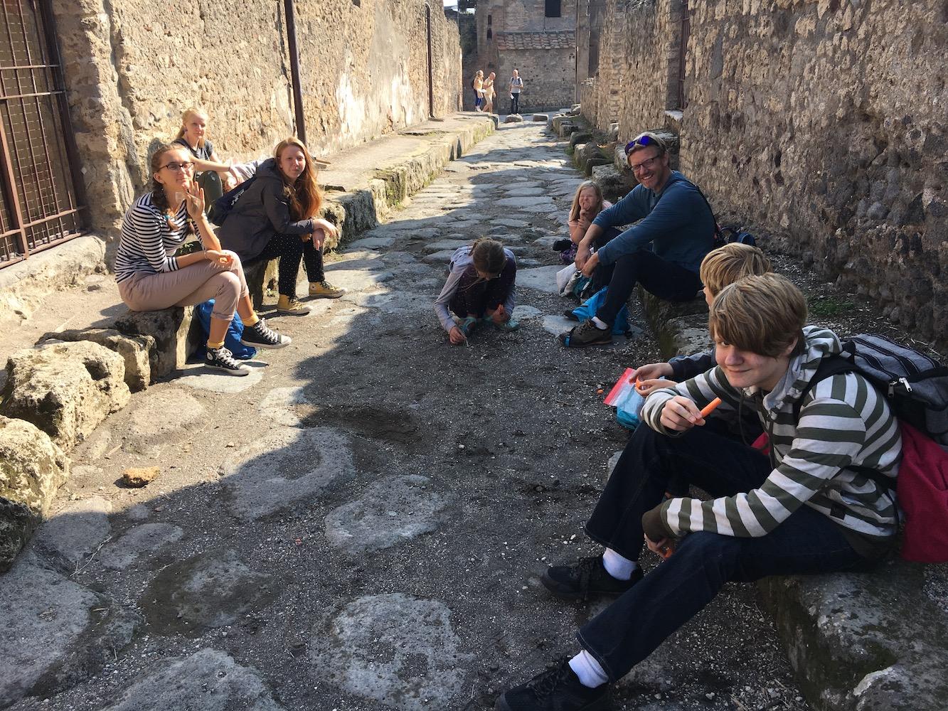 7 Pompeii lunch.jpg