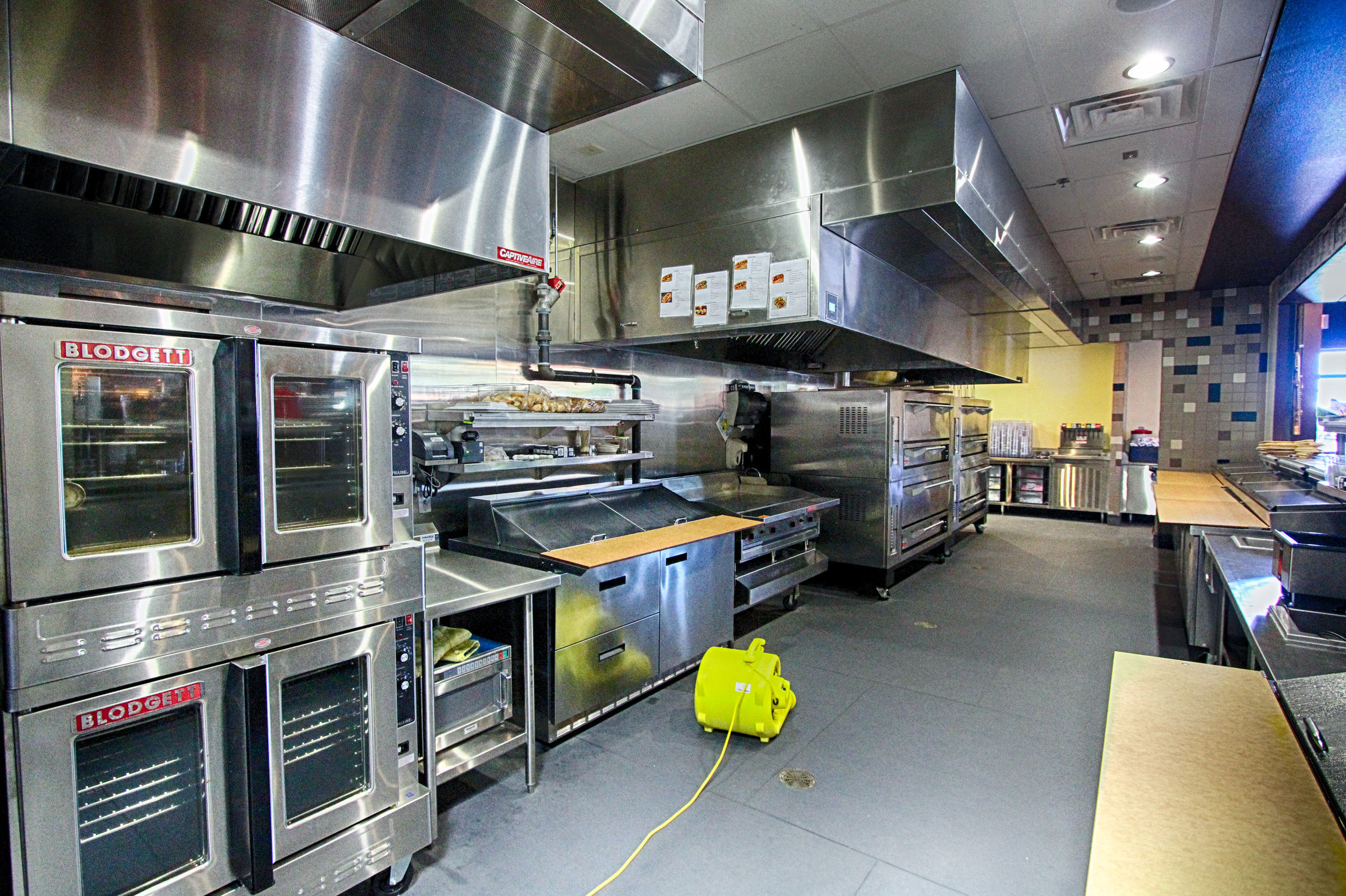 63 MM Kitchen 1.jpg