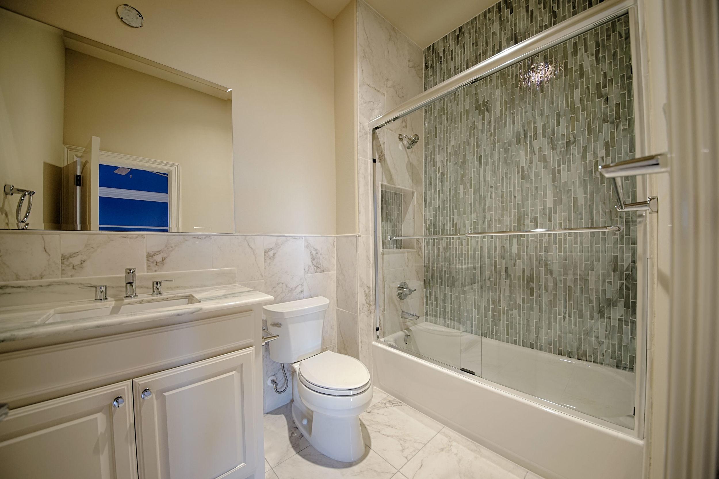 20 bath 2.jpg