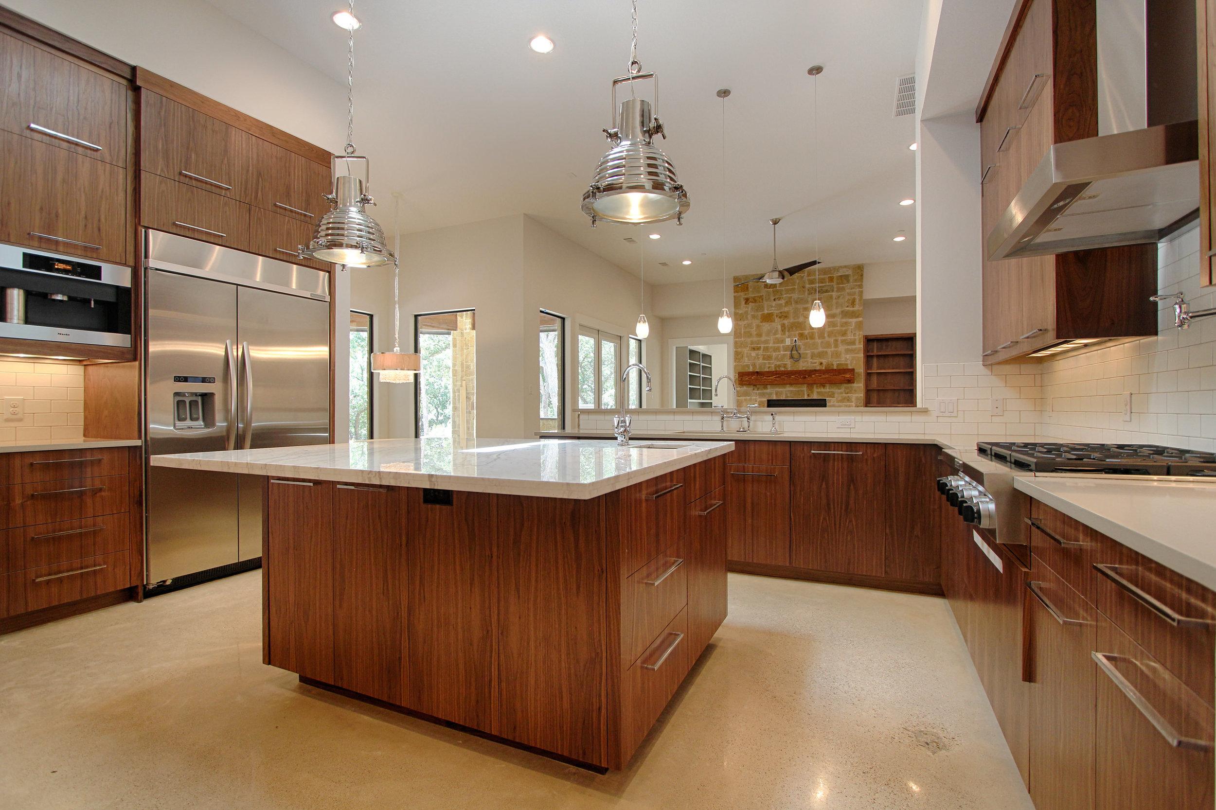 2 Kitchen 2.jpg