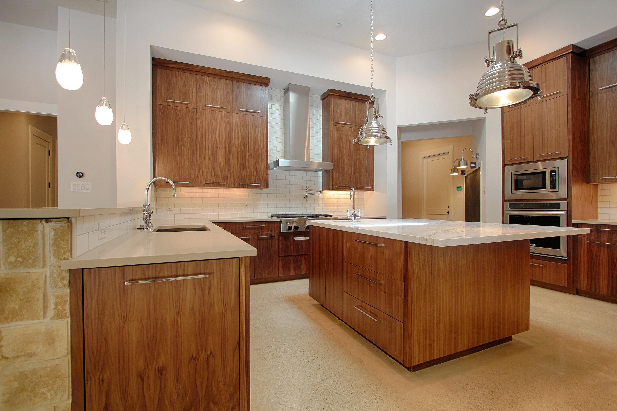3 Kitchen 3.jpg