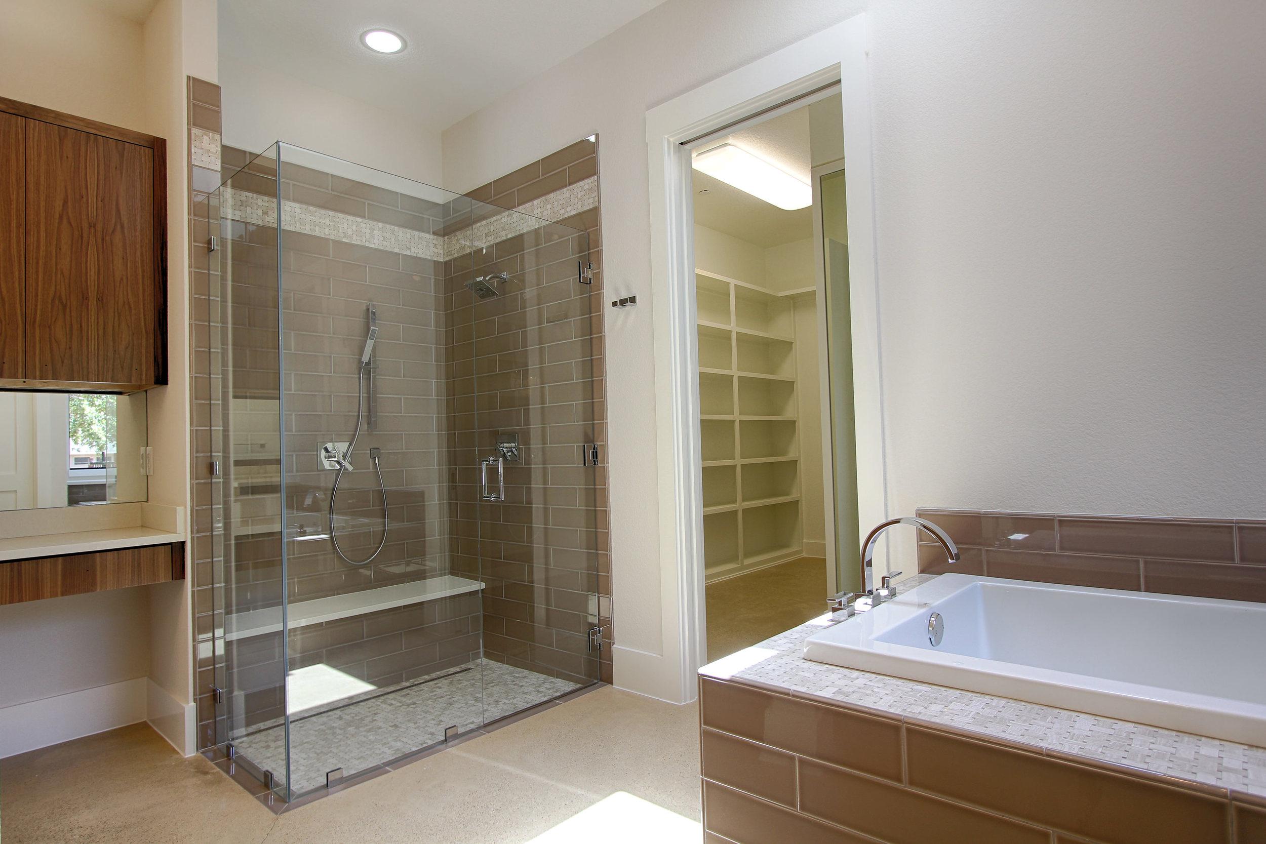 11 Master Bath 3.jpg