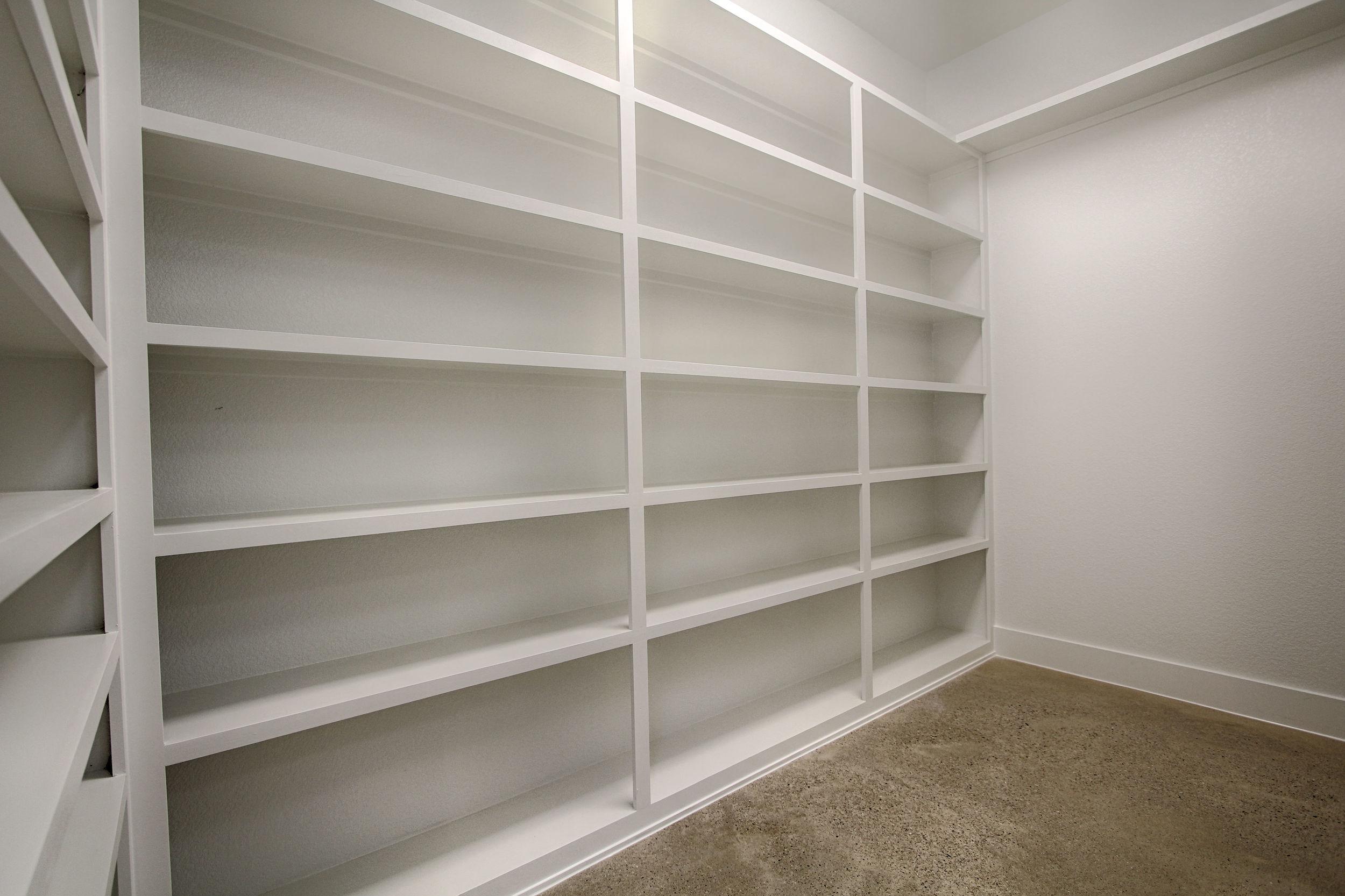 15 Master Closet 2.jpg