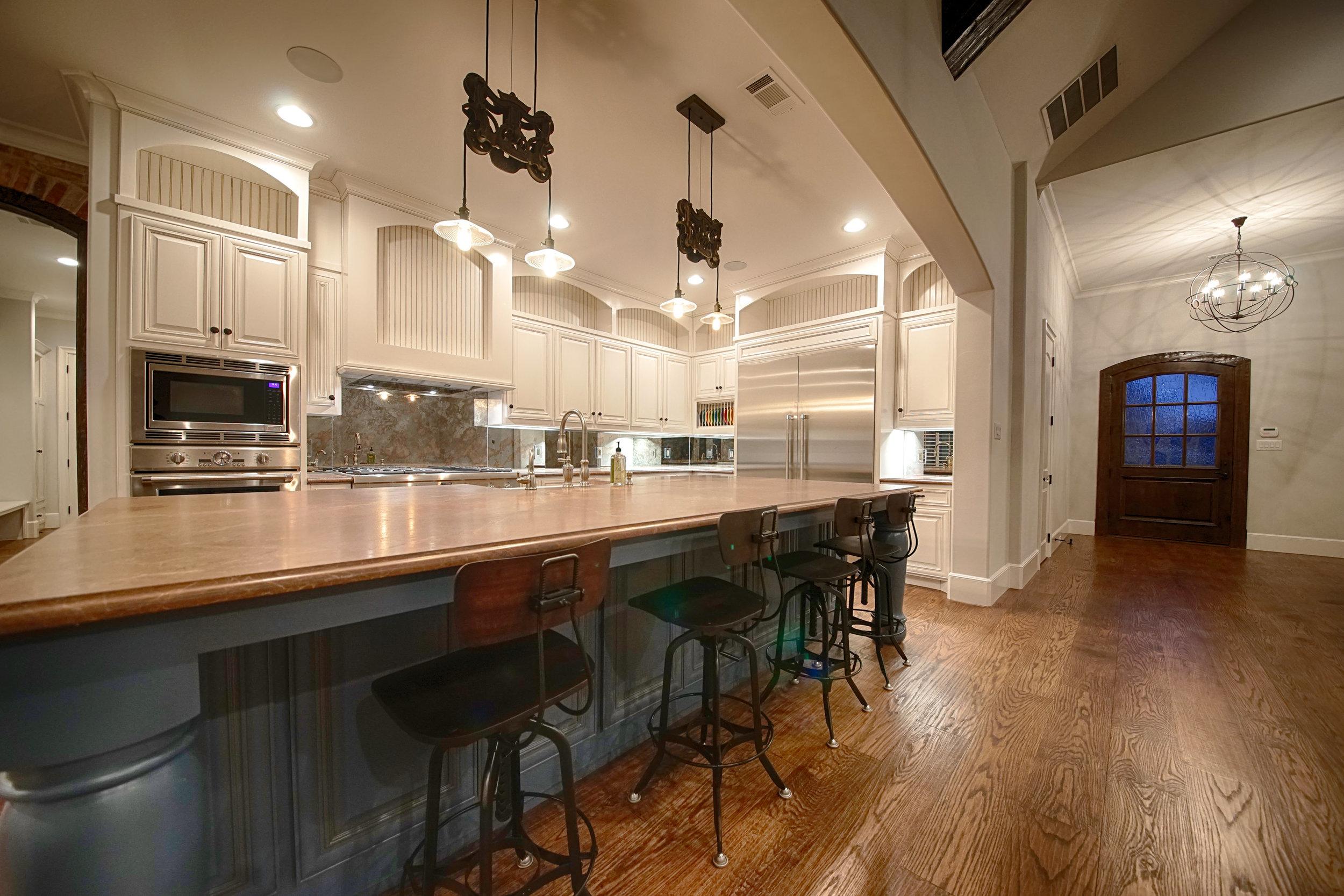 6 Kitchen 1.jpg