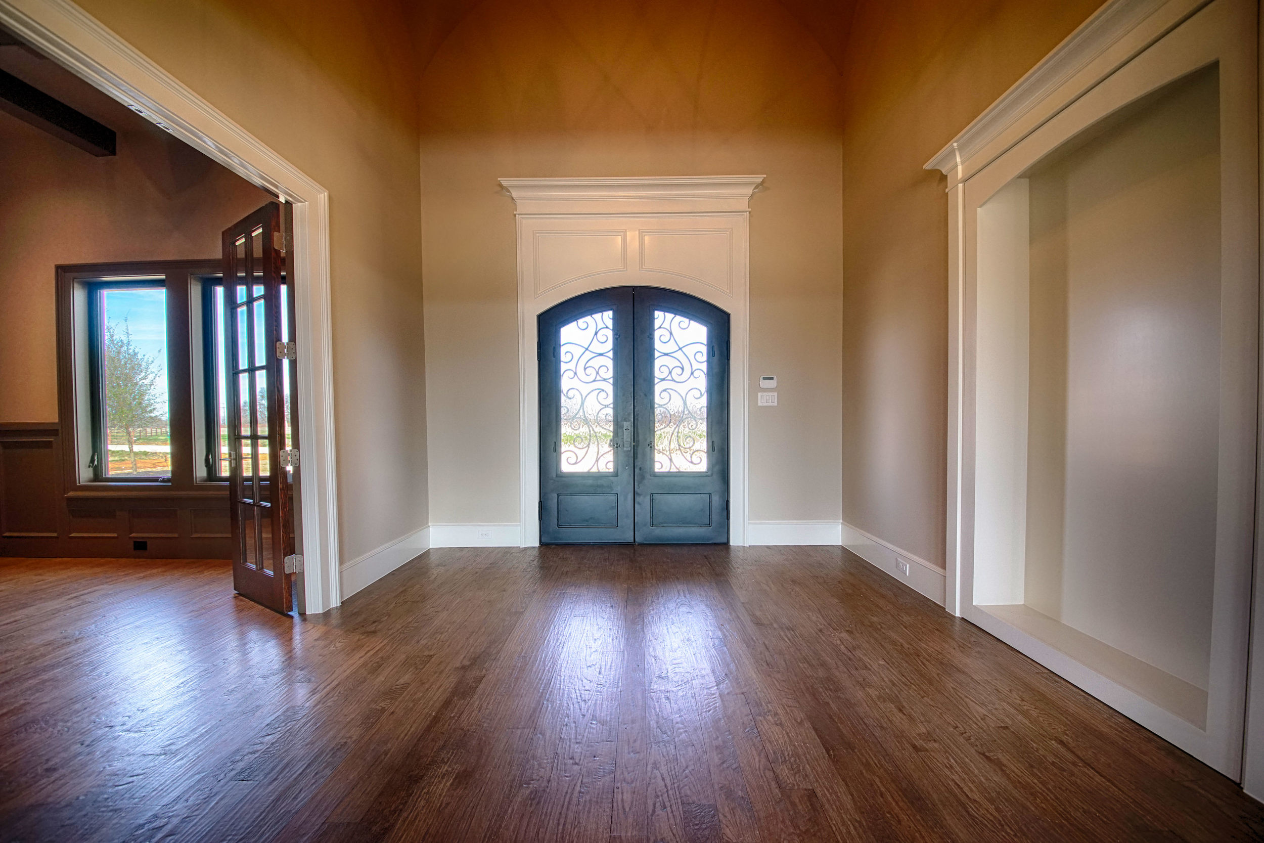 3 Foyer 2.jpg