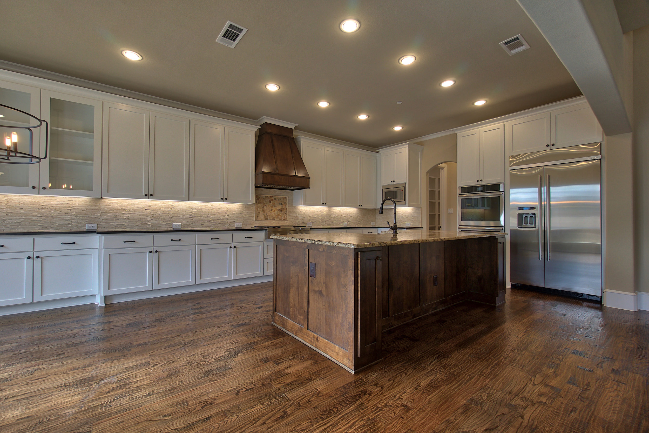 14 kitchen 1.jpeg